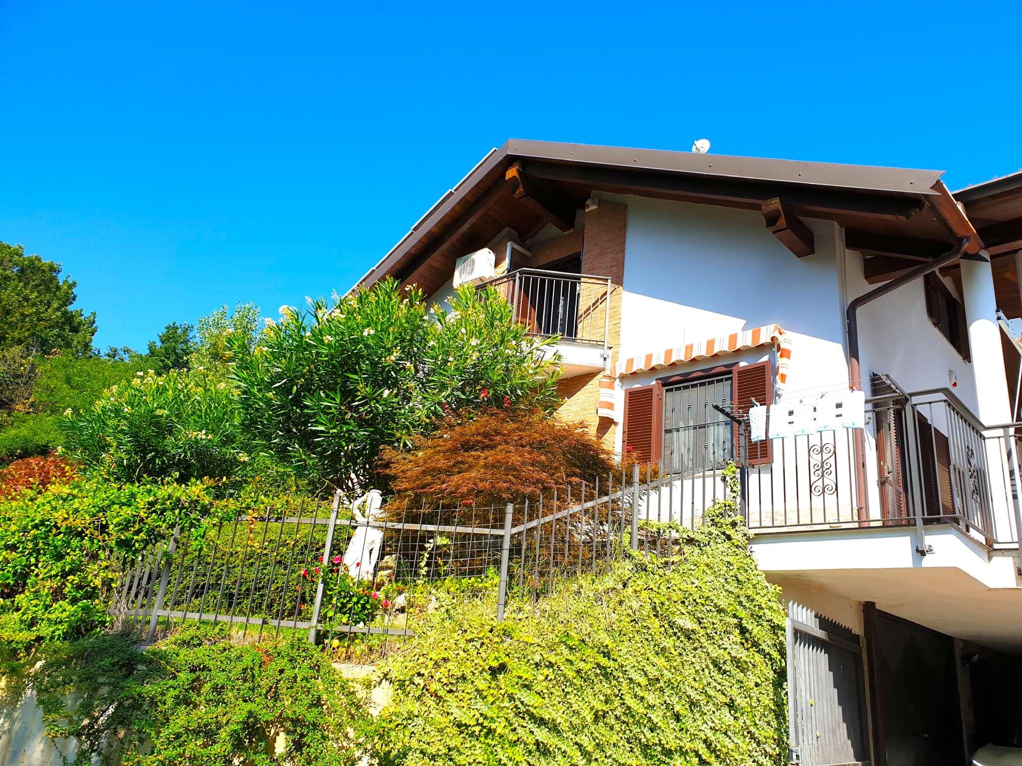 Villa a Schiera in vendita a La Cassa, 8 locali, prezzo € 278.000 | CambioCasa.it
