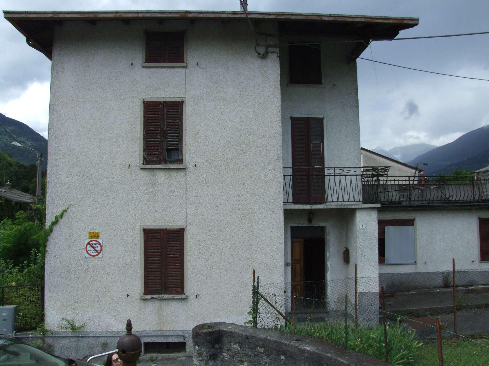 Soluzione Indipendente in vendita a Ponte in Valtellina, 6 locali, prezzo € 150.000   CambioCasa.it