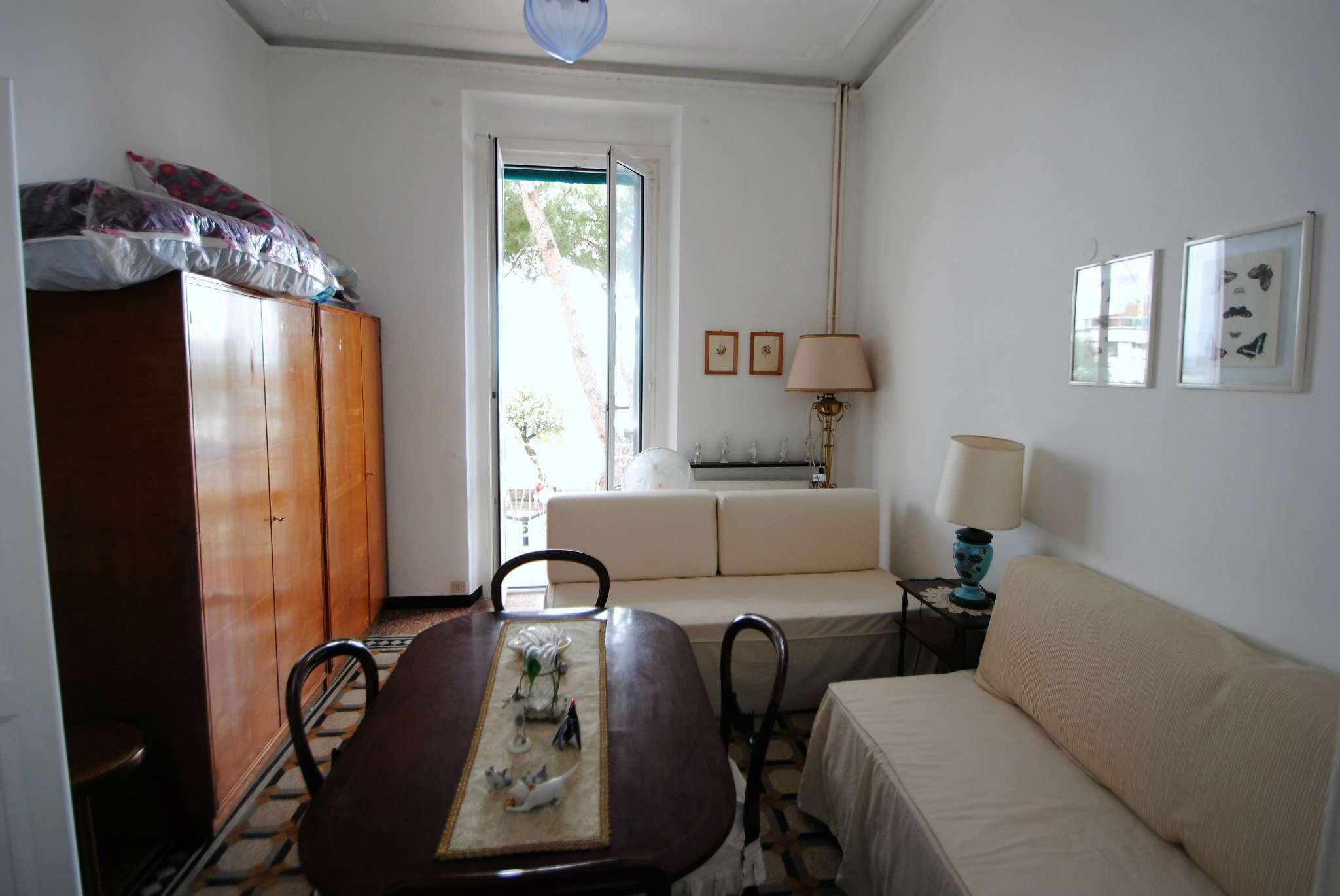 Appartamento in buone condizioni parzialmente arredato in affitto Rif. 6936455