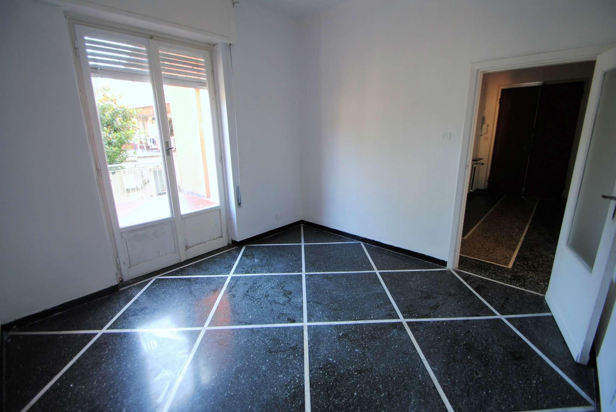 Appartamento in buone condizioni in affitto Rif. 7947865