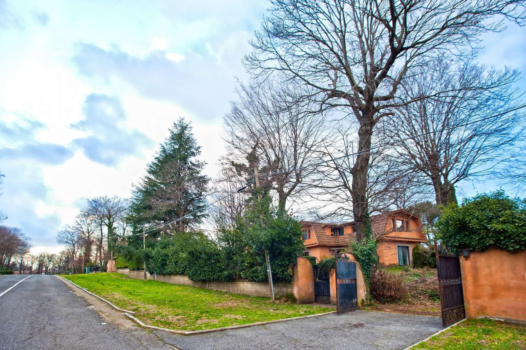 Villa Bifamiliare in vendita a Ariccia, 5 locali, prezzo € 299.000   CambioCasa.it