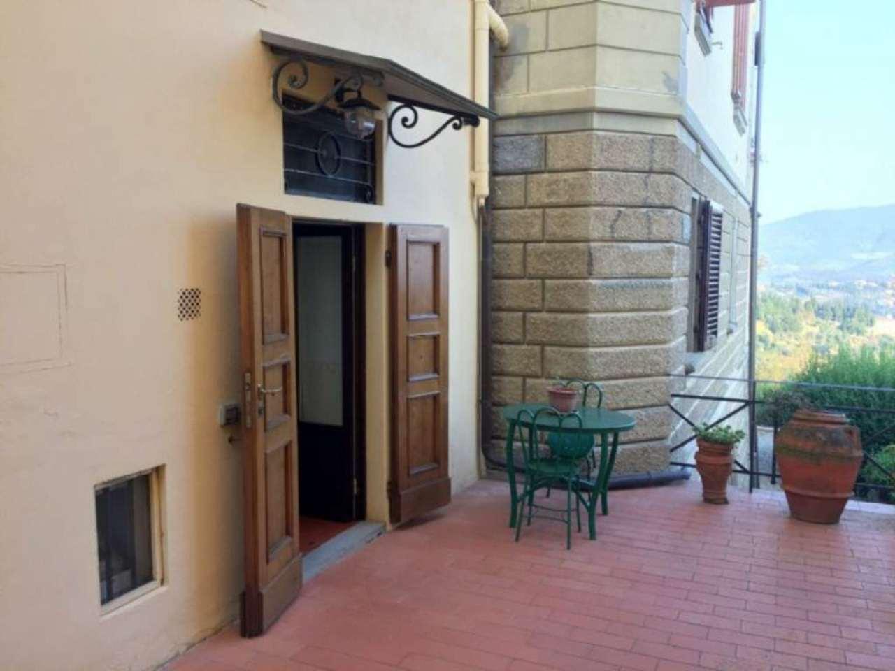 Appartamento in buone condizioni arredato in affitto Rif. 8679112