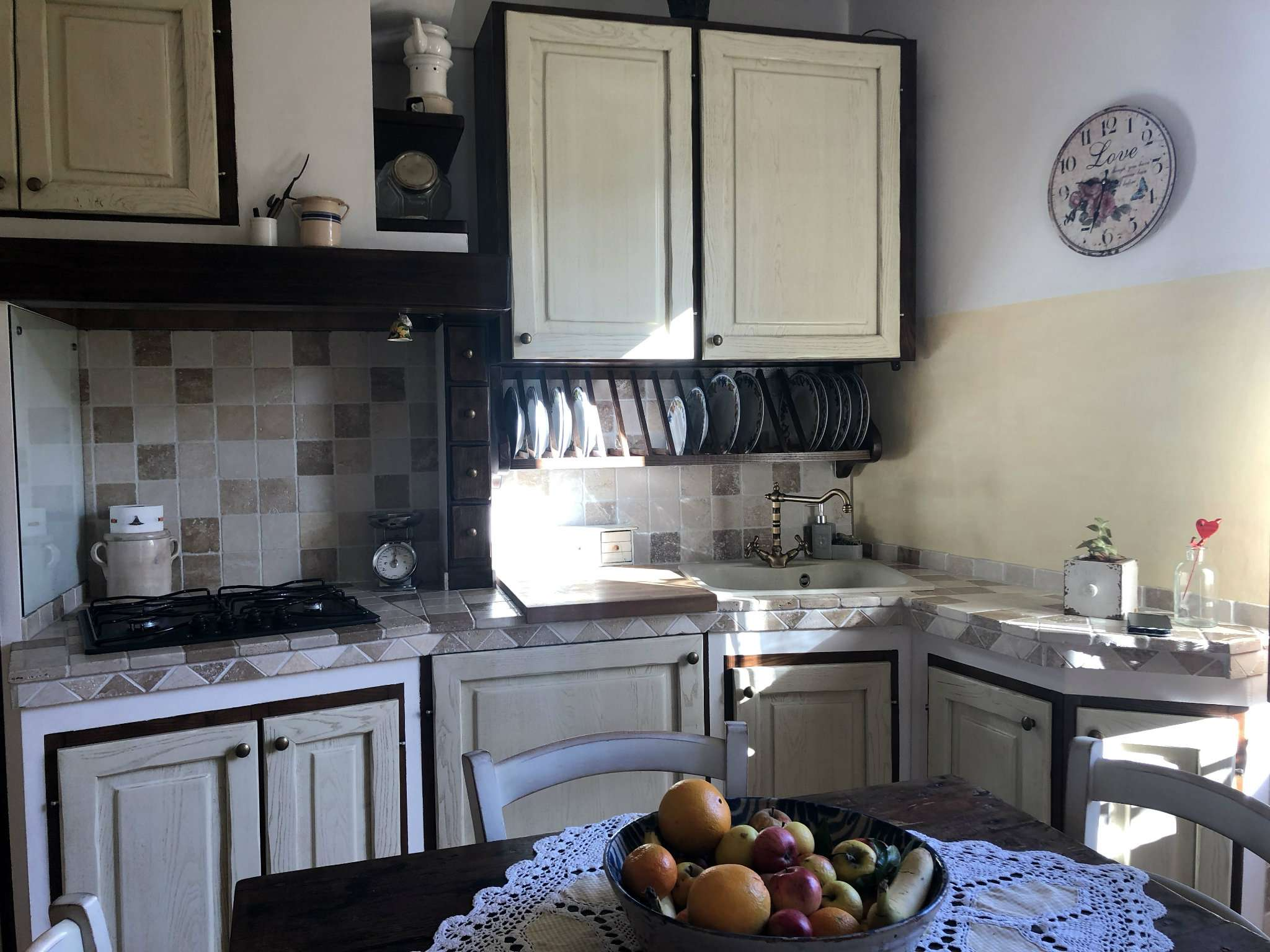 Appartamento con mansarda e balcone località querciola, Caldine