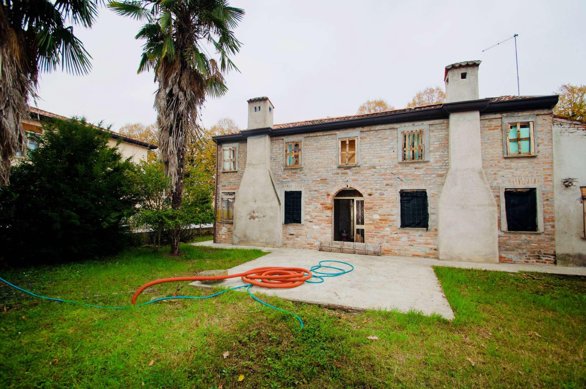 Casa Indipendente da ristrutturare in vendita Rif. 5142515