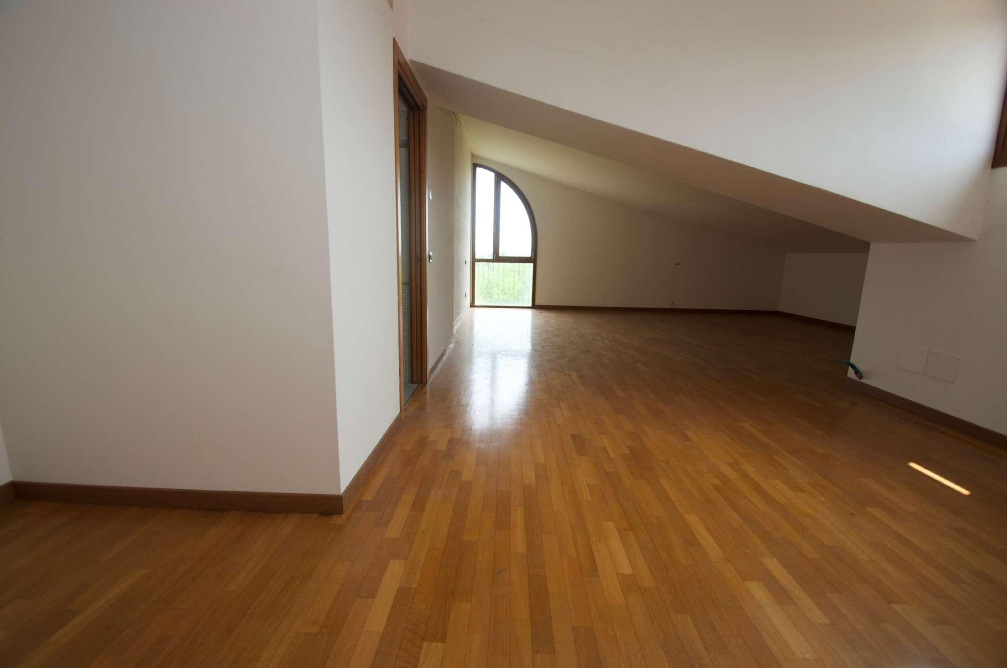 appartamento su due livelli  mai abitato