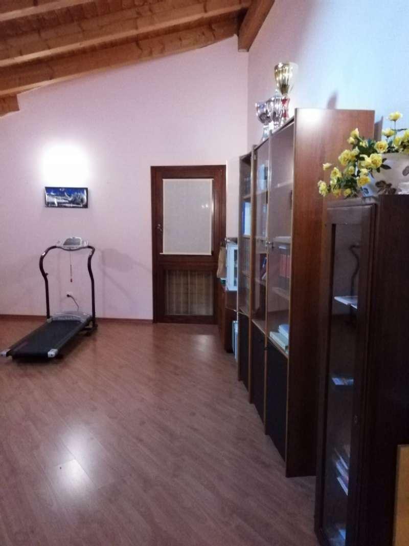 Ufficio / Studio in vendita a Due Carrare, 5 locali, prezzo € 158.000 | CambioCasa.it