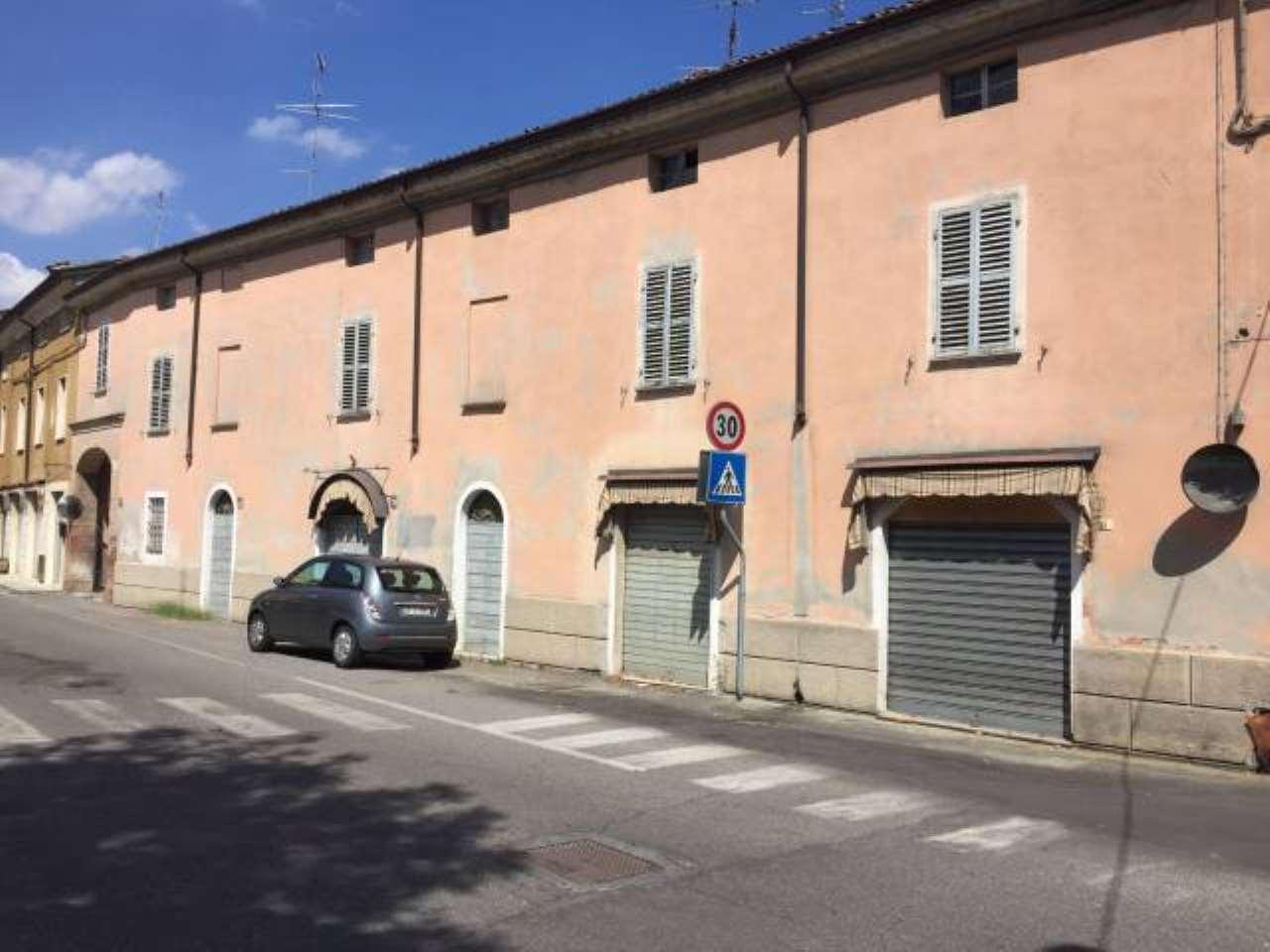 Palazzo / Stabile in vendita a San Giorgio Piacentino, 6 locali, prezzo € 280.000   CambioCasa.it