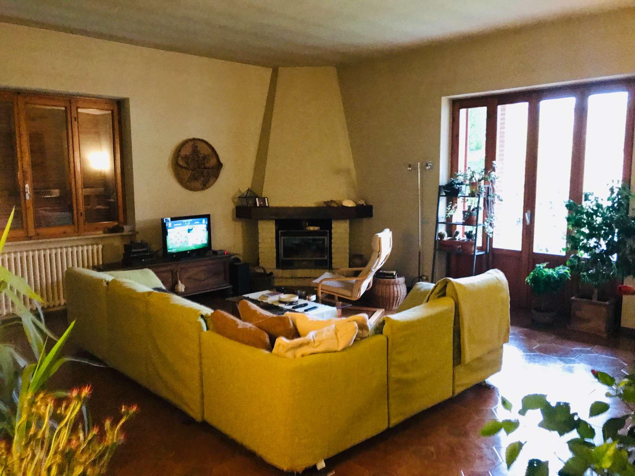 Villa in vendita a Castel San Giovanni, 5 locali, prezzo € 290.000 | CambioCasa.it