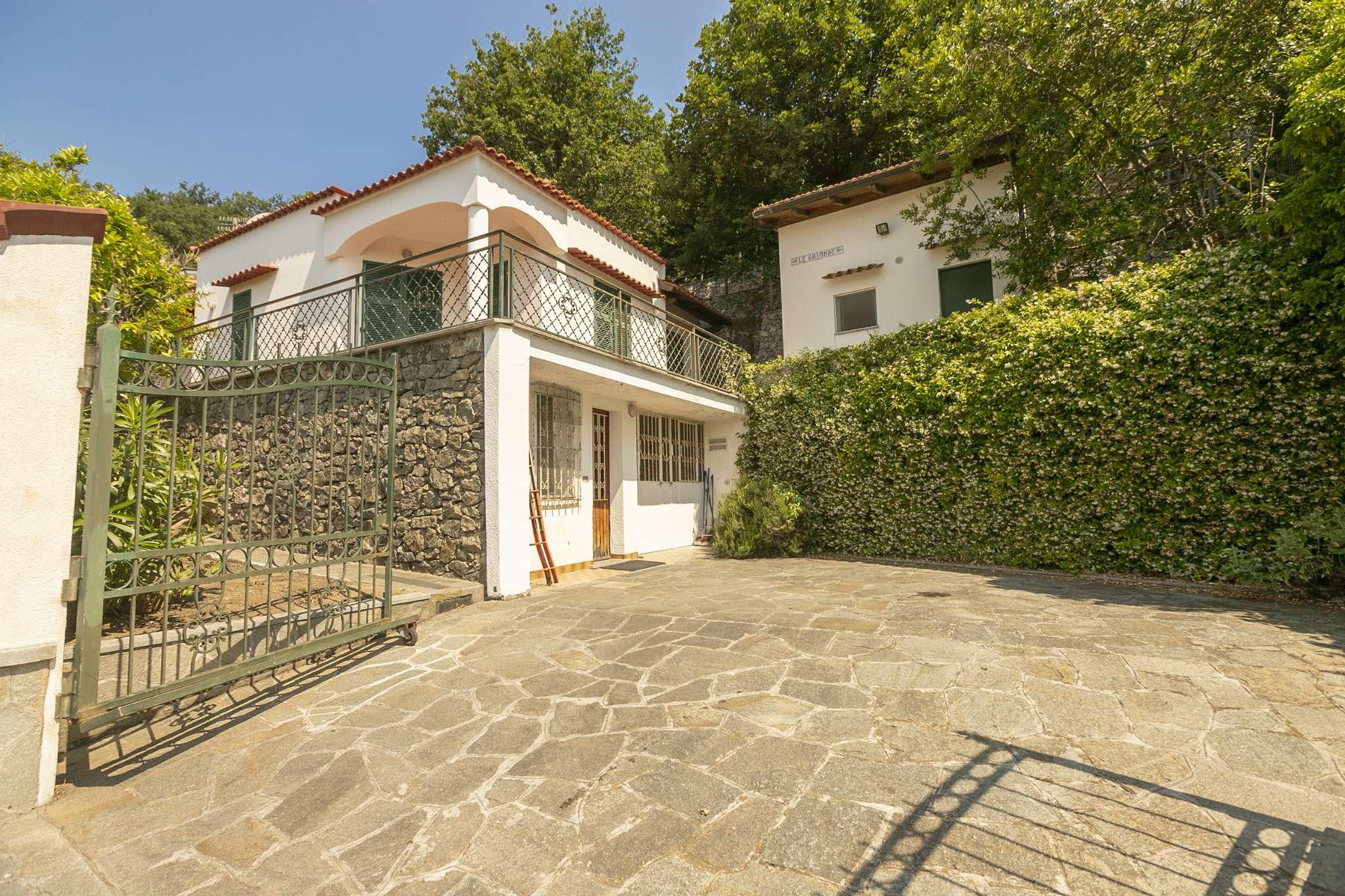 Villa in vendita a Noli, 12 locali, prezzo € 440.000 | CambioCasa.it