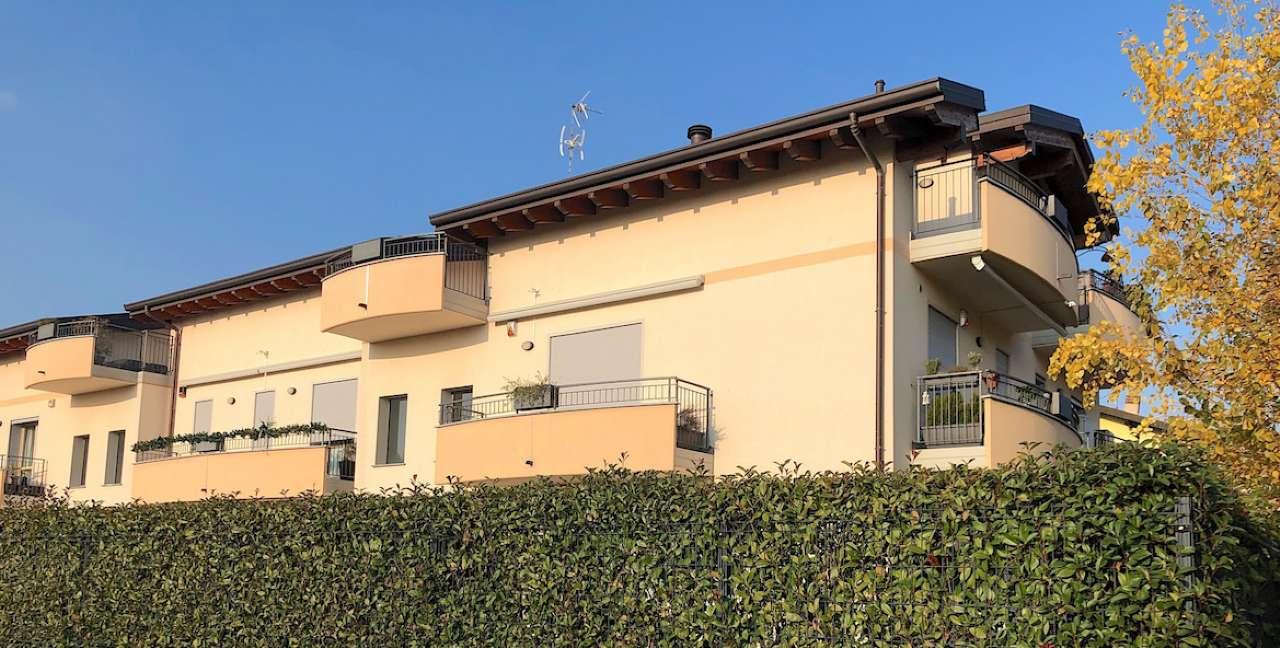 Appartamento in ottime condizioni parzialmente arredato in vendita Rif. 8899113