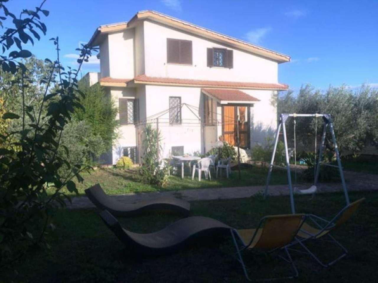 Villa in vendita a Roma, 7 locali, zona Zona: 34 . Bufalotta, Sette Bagni, Casal Boccone, Casale Monastero, Settecamini, prezzo € 399.000   CambioCasa.it