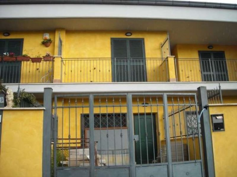 Villa a Schiera in vendita a Guidonia Montecelio, 3 locali, prezzo € 165.000 | CambioCasa.it