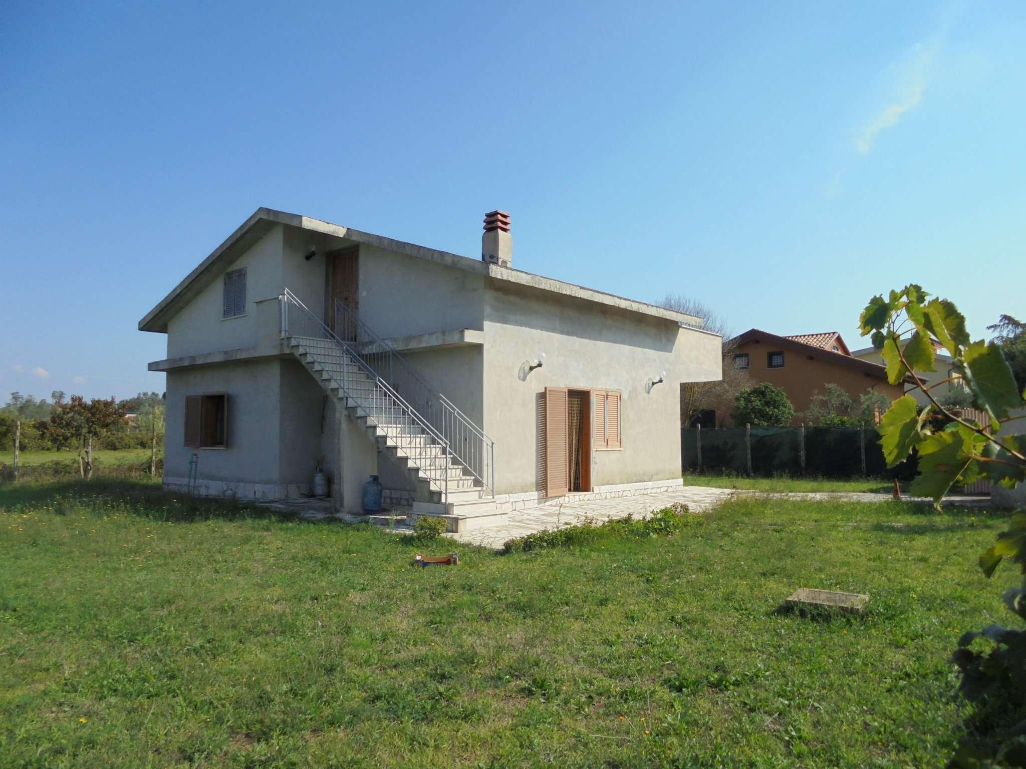 Casa Indipendente in buone condizioni in vendita Rif. 5148853