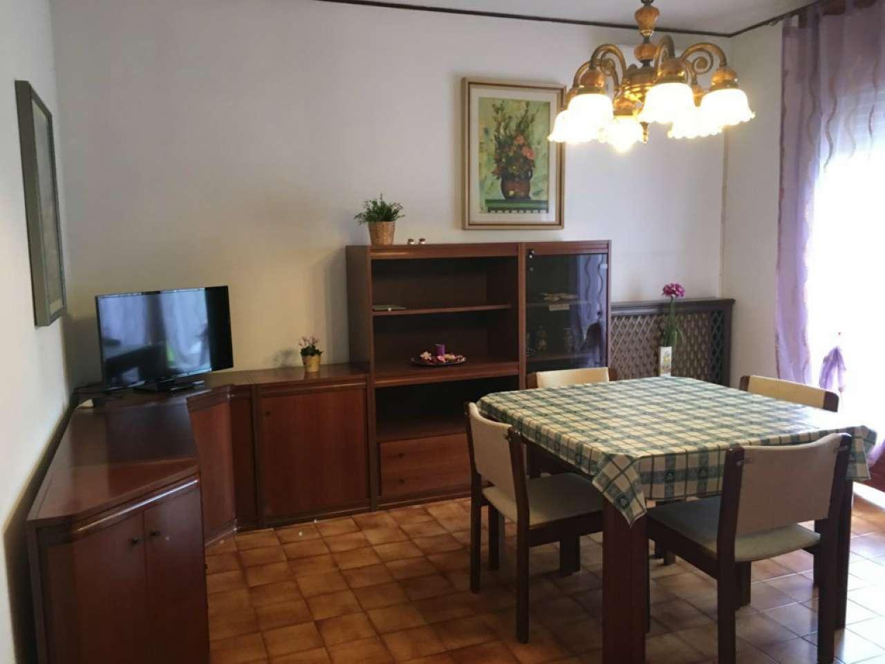 Appartamento in vendita a Mira, 5 locali, prezzo € 110.000   CambioCasa.it
