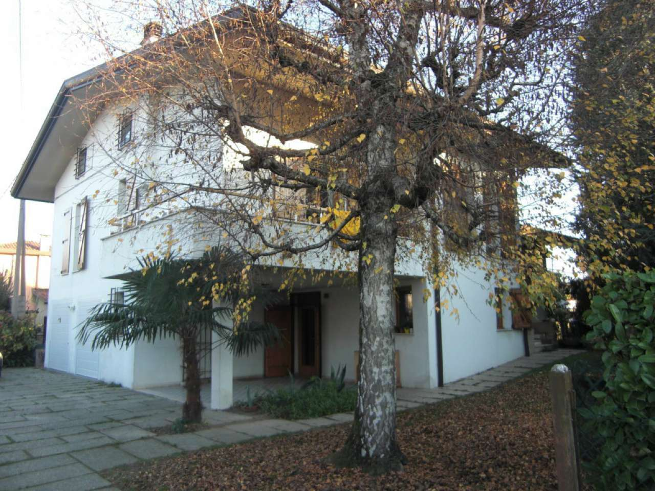 Villa Bifamiliare in vendita a Mira, 12 locali, prezzo € 239.000 | CambioCasa.it