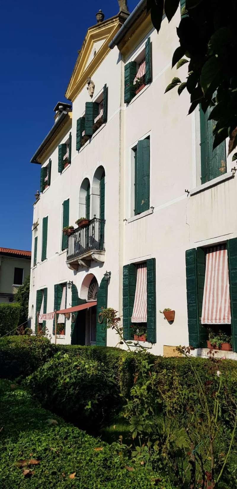 Appartamento in vendita a Mira, 4 locali, prezzo € 219.000 | CambioCasa.it