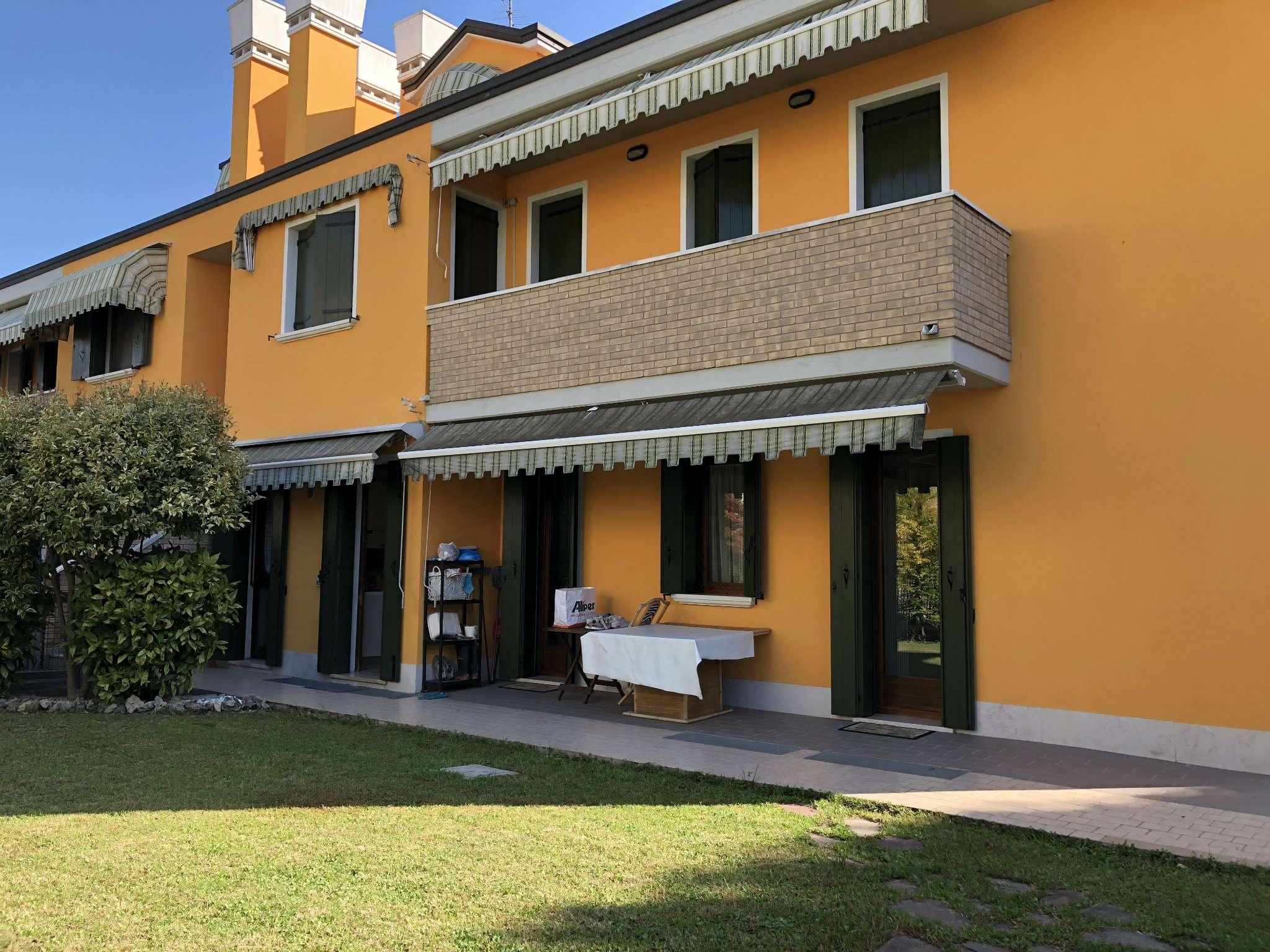 Appartamento in vendita a Mira, 3 locali, prezzo € 149.000   CambioCasa.it