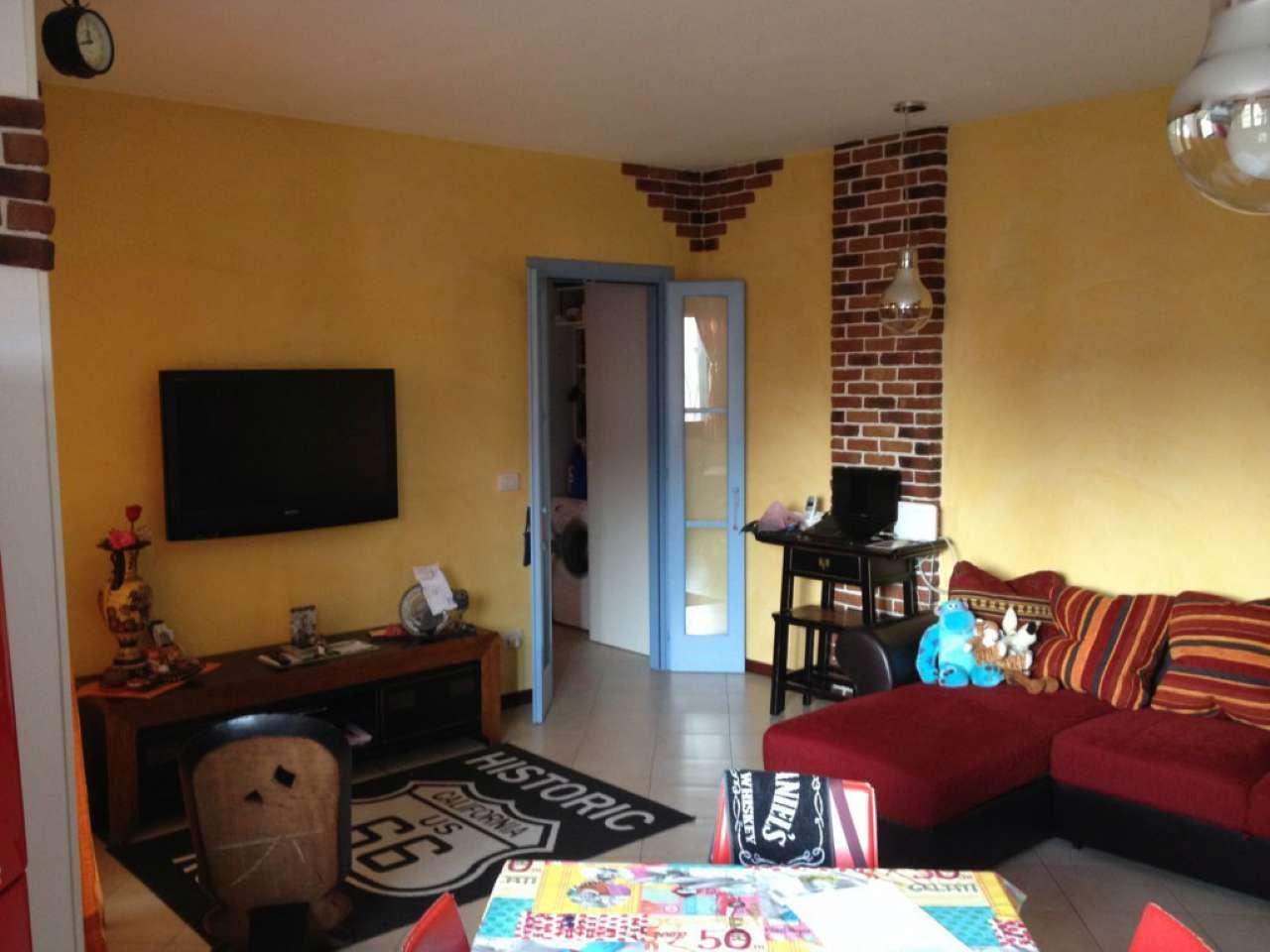Appartamento in buone condizioni in vendita Rif. 8963754