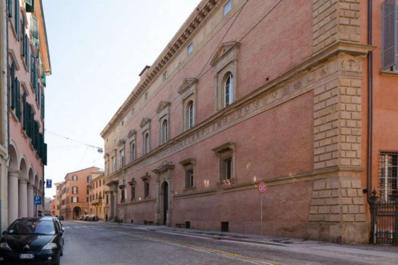 Ristorante / Pizzeria / Trattoria in vendita a Bologna, 6 locali, zona Zona: 1 . Centro Storico, Trattative riservate | CambioCasa.it