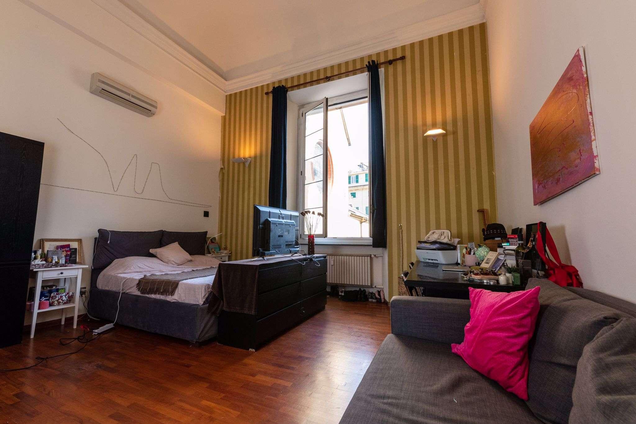 Appartamento in vendita a Genova, 9 locali, prezzo € 370.000 | PortaleAgenzieImmobiliari.it