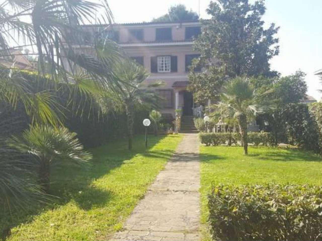 Villa Tri-Quadrifamiliare in vendita a Roma, 7 locali, zona Zona: 38 . Acilia, Vitinia, Infernetto, Axa, Casal Palocco, Madonnetta, prezzo € 420.000 | CambioCasa.it