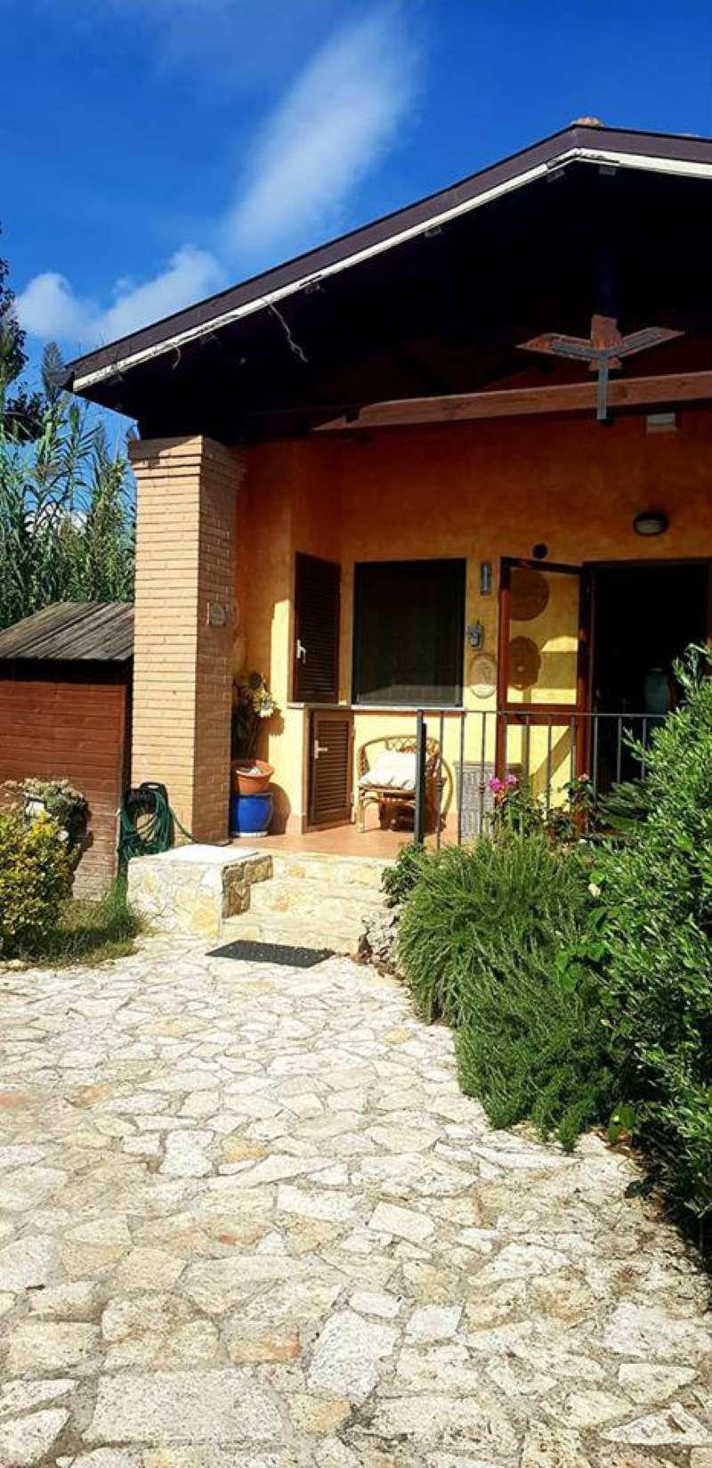 Villa a Schiera in vendita a Roma, 3 locali, zona Zona: 38 . Acilia, Vitinia, Infernetto, Axa, Casal Palocco, Madonnetta, prezzo € 195.000 | CambioCasa.it