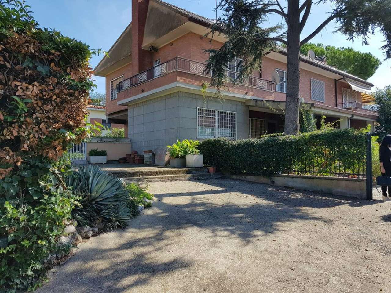 Villa Bifamiliare in vendita a Roma, 8 locali, zona Zona: 38 . Acilia, Vitinia, Infernetto, Axa, Casal Palocco, Madonnetta, prezzo € 520.000 | CambioCasa.it