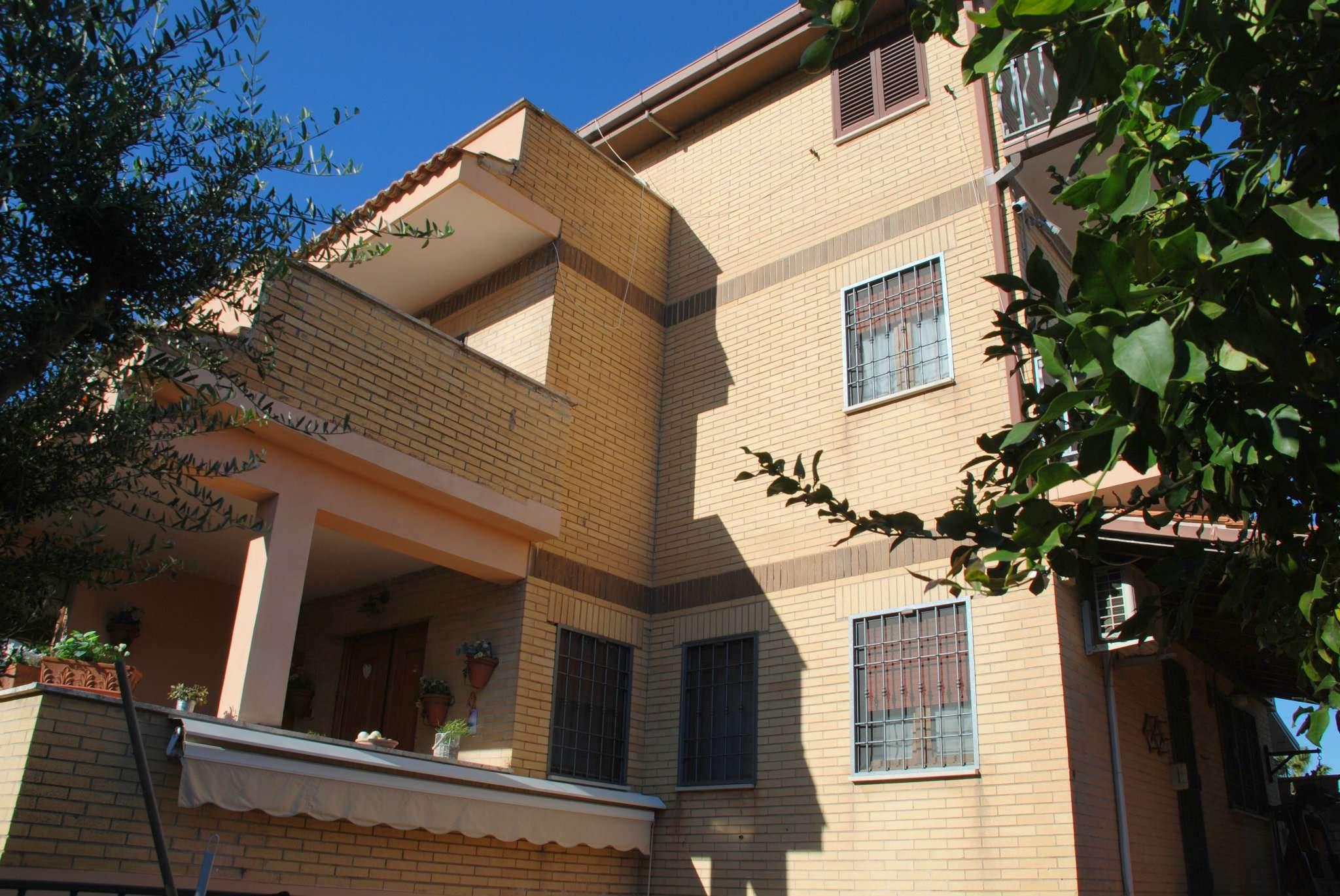 Villa Bifamiliare in vendita a Roma, 6 locali, zona Zona: 38 . Acilia, Vitinia, Infernetto, Axa, Casal Palocco, Madonnetta, prezzo € 480.000 | CambioCasa.it