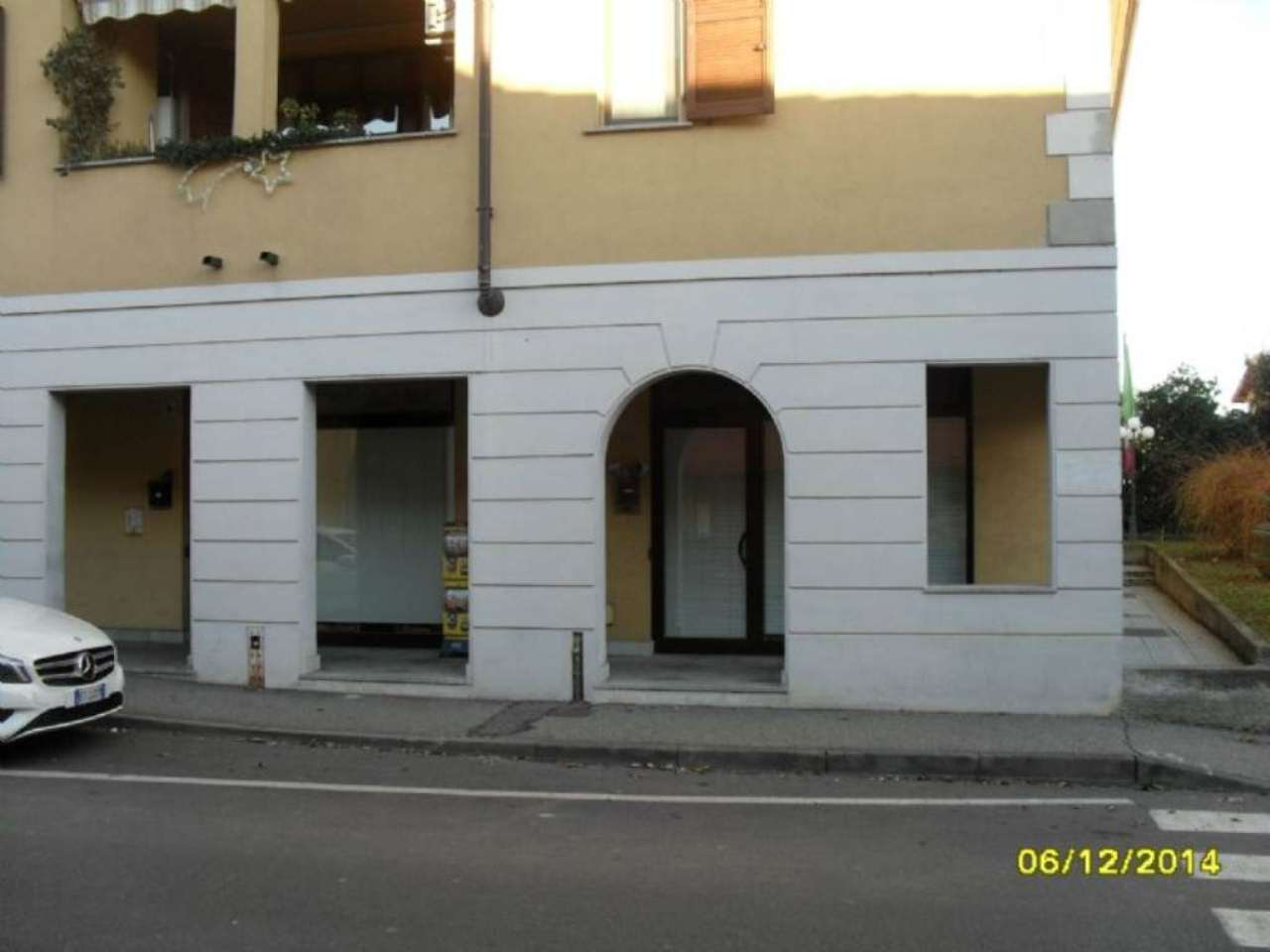 Negozio / Locale in affitto a Cassina de' Pecchi, 3 locali, prezzo € 750   CambioCasa.it