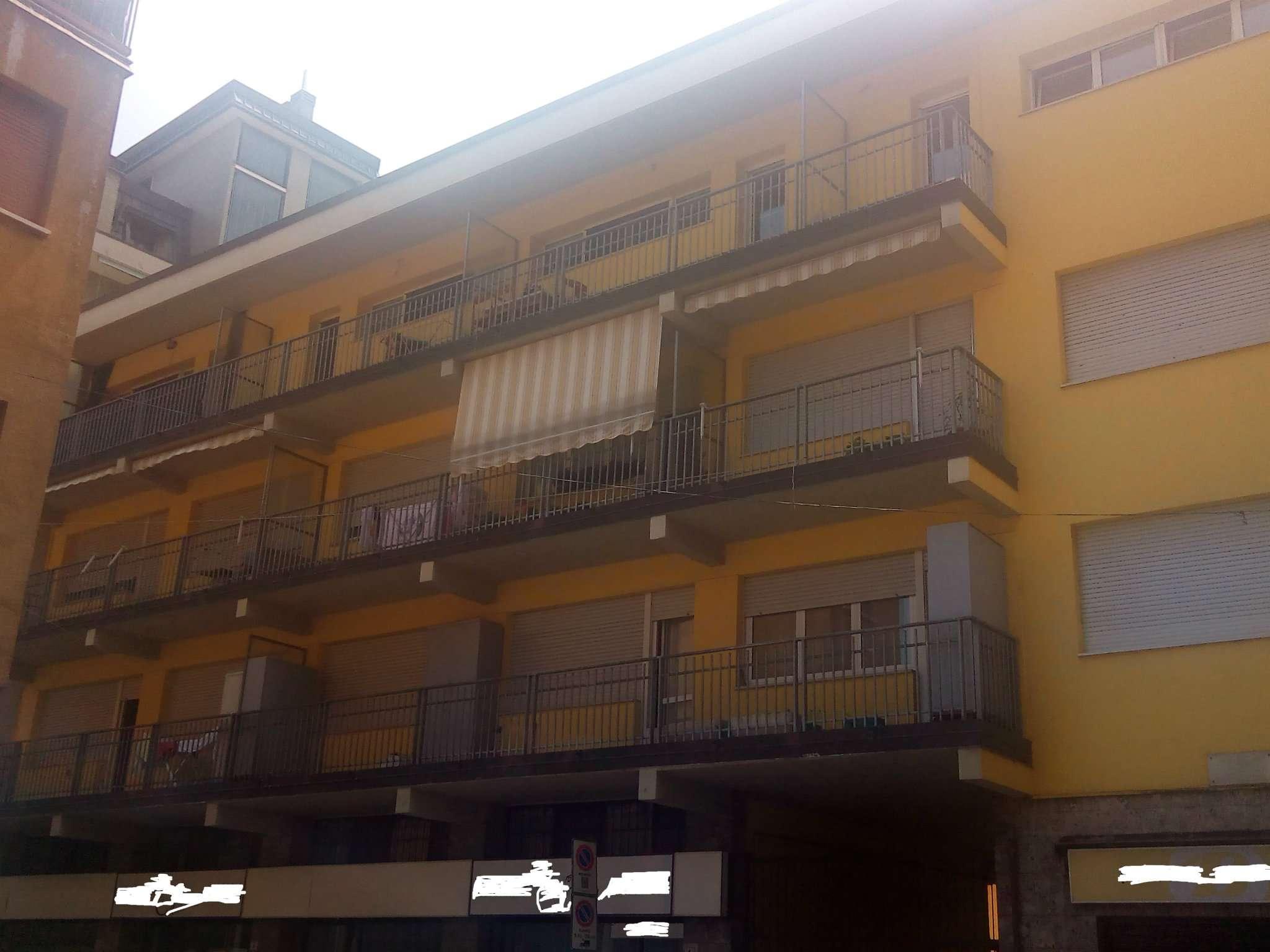 Appartamento in buone condizioni arredato in affitto Rif. 7706493