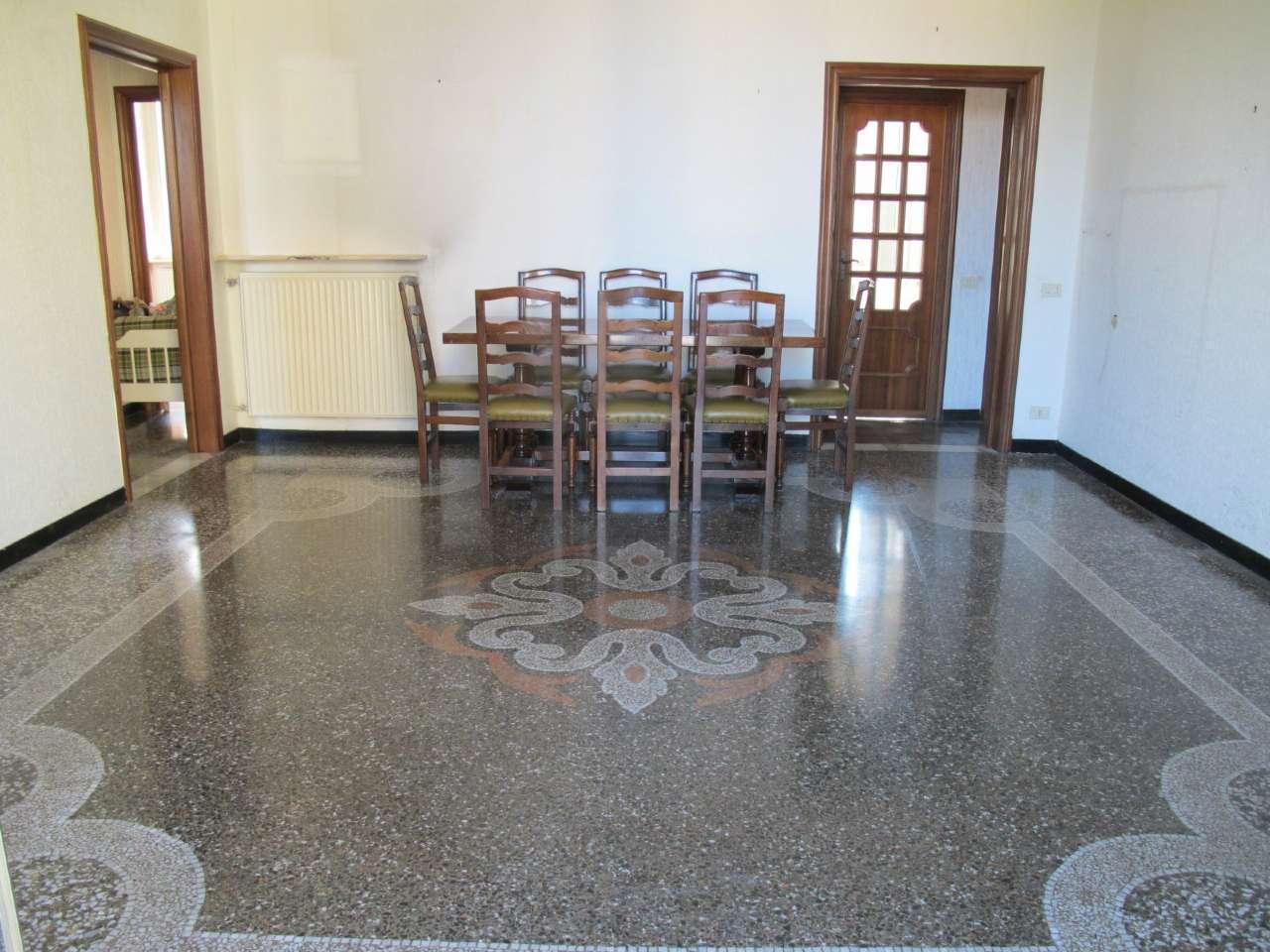 Vendita Porte A Genova appartamento in vendita a genova - zona: 13 . sestri ponente, medio ponente