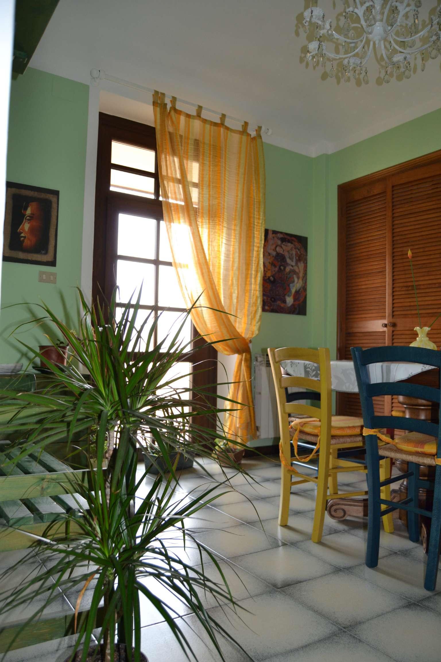 Appartamento in buone condizioni arredato in affitto Rif. 8203191