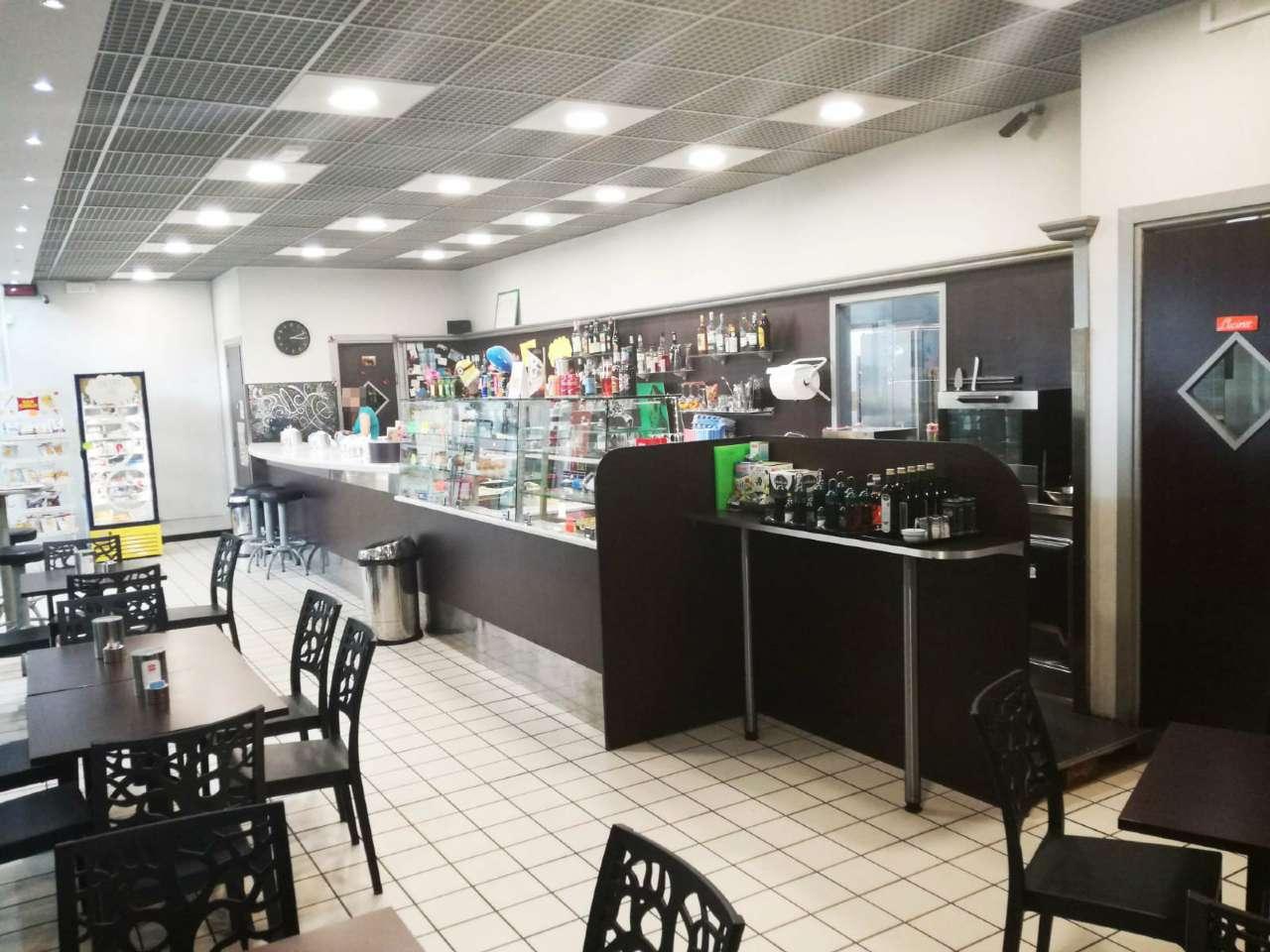 Bar in vendita a Collegno, 2 locali, Trattative riservate   CambioCasa.it