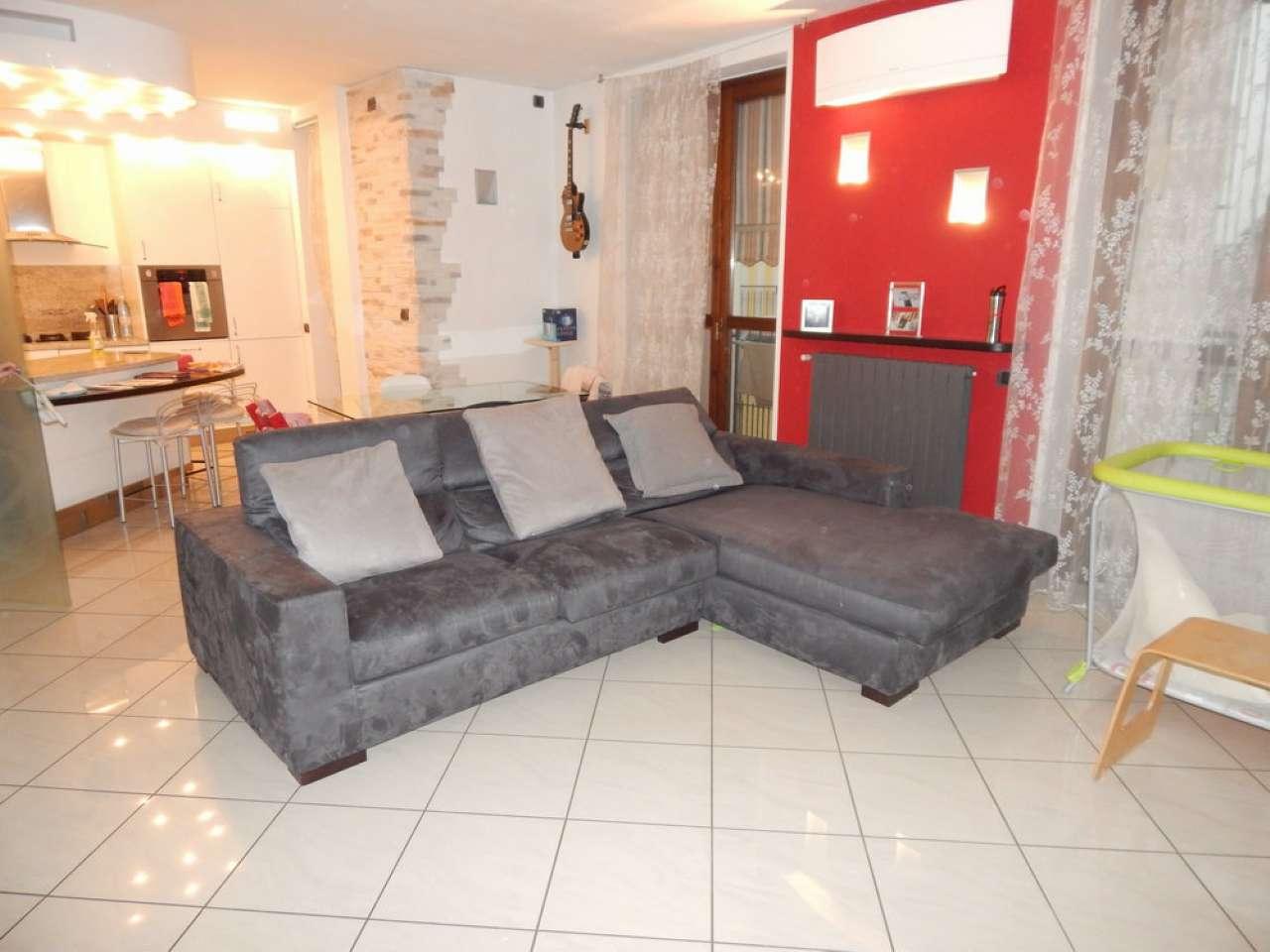 Appartamento in buone condizioni parzialmente arredato in vendita Rif. 4586572