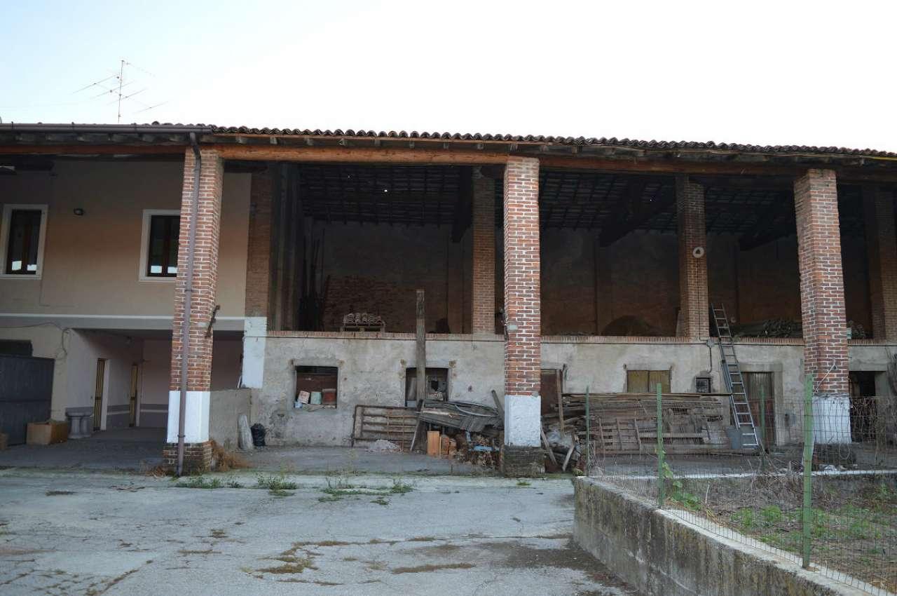 Rustico / Casale in vendita a Poncarale, 4 locali, prezzo € 50.000   CambioCasa.it