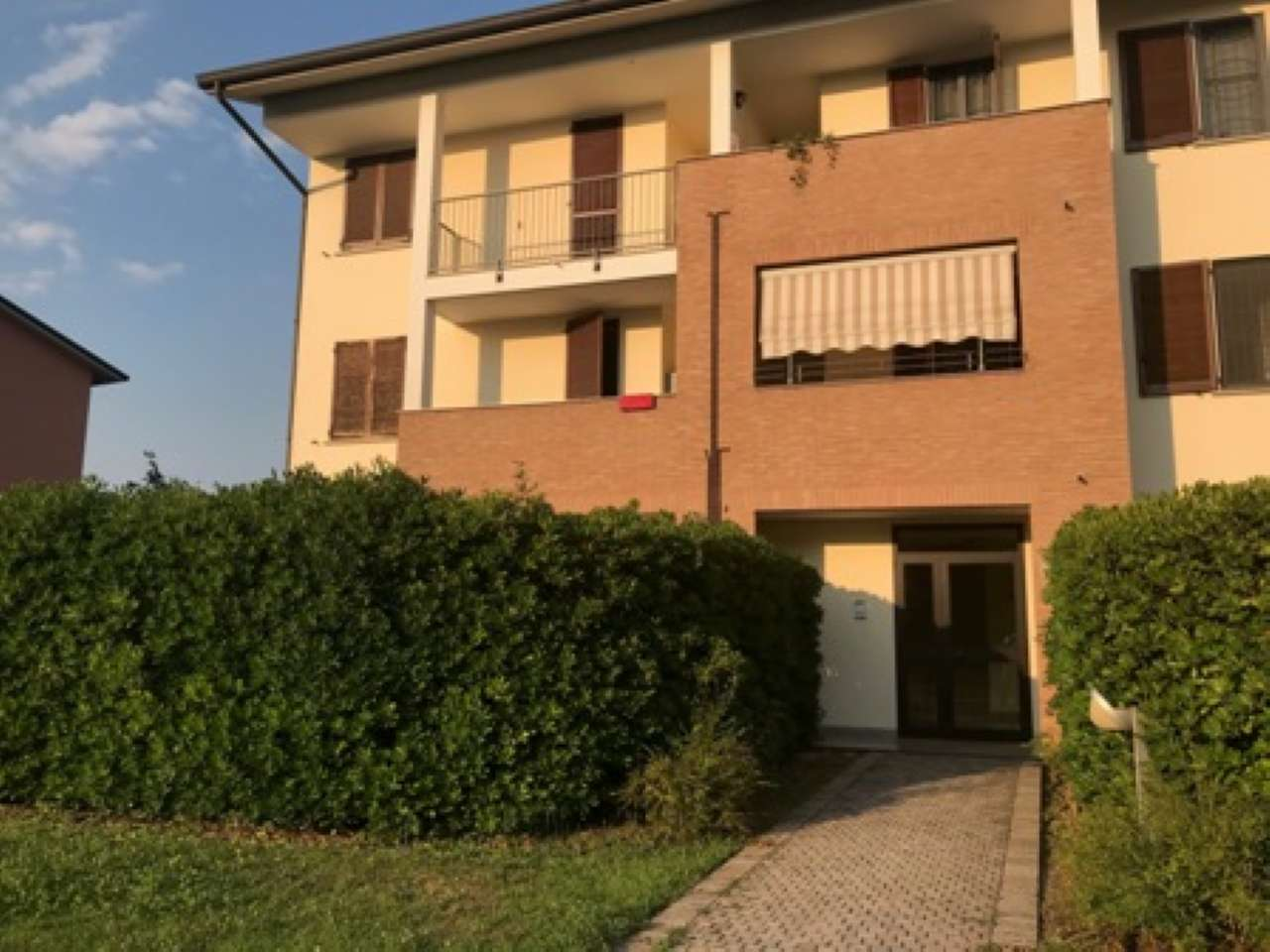 Appartamento in buone condizioni in vendita Rif. 7283926