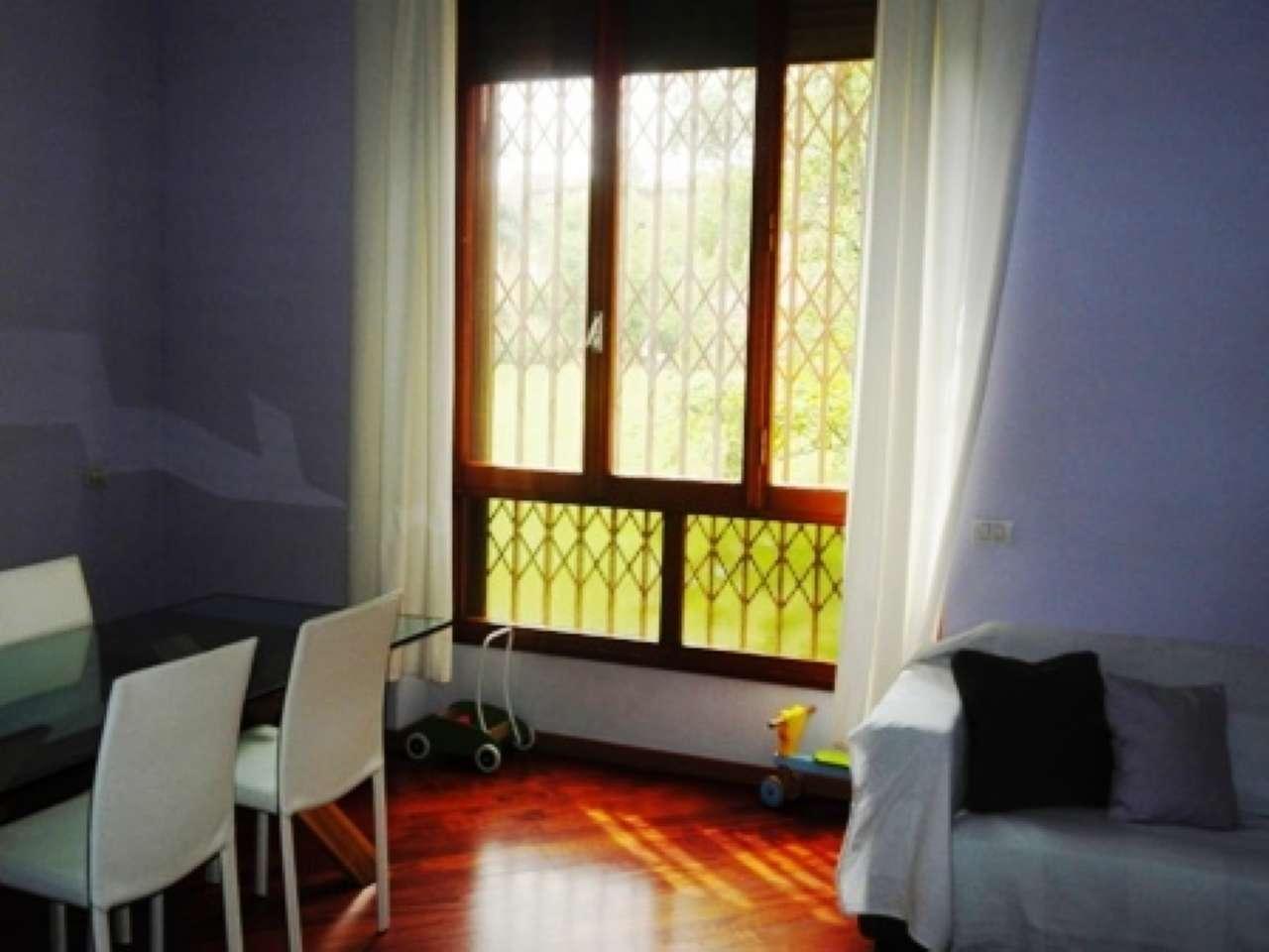 Appartamento in ottime condizioni arredato in affitto Rif. 8899142