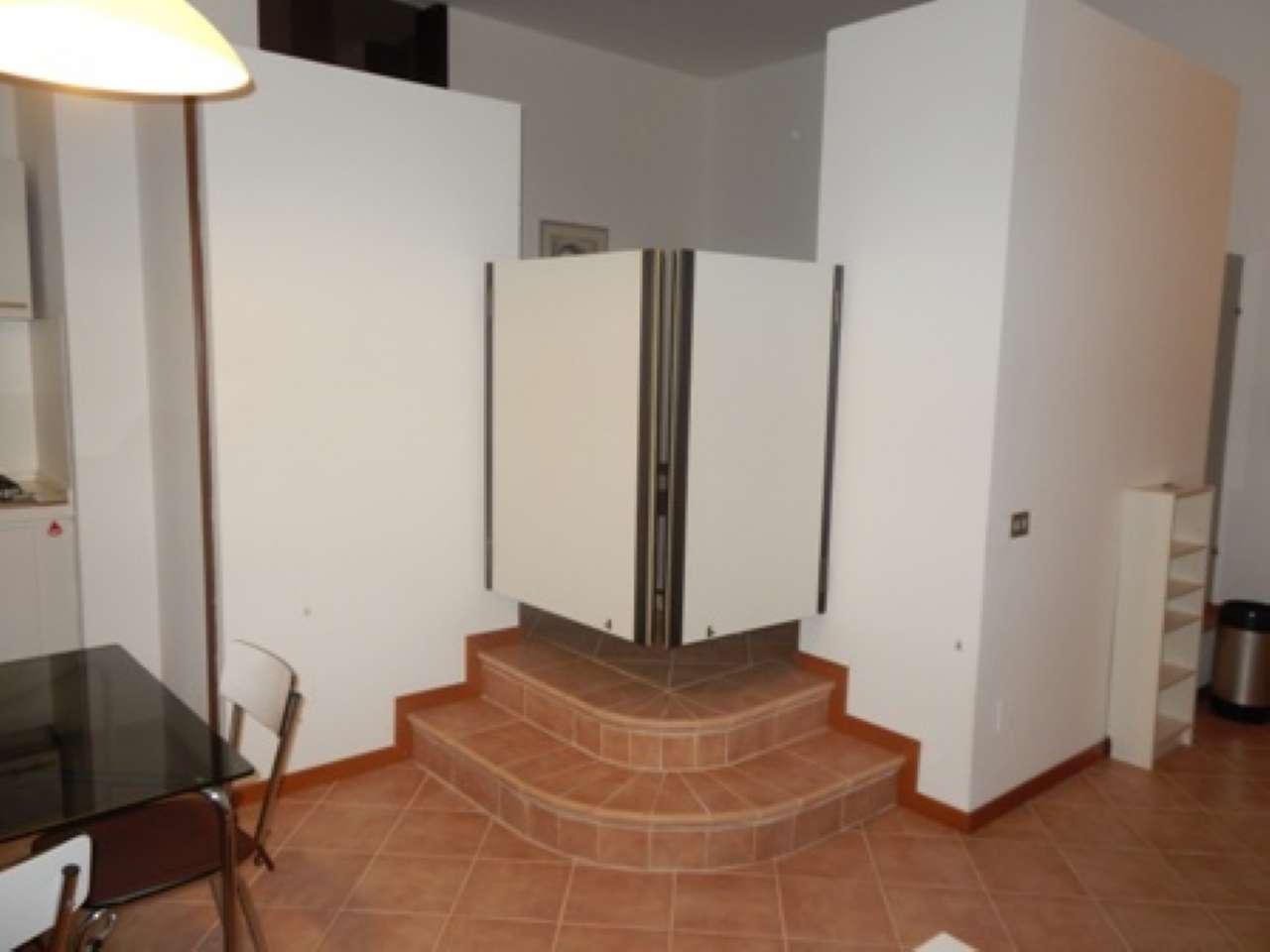Appartamento in affitto a Segrate, 2 locali, prezzo € 750 | CambioCasa.it