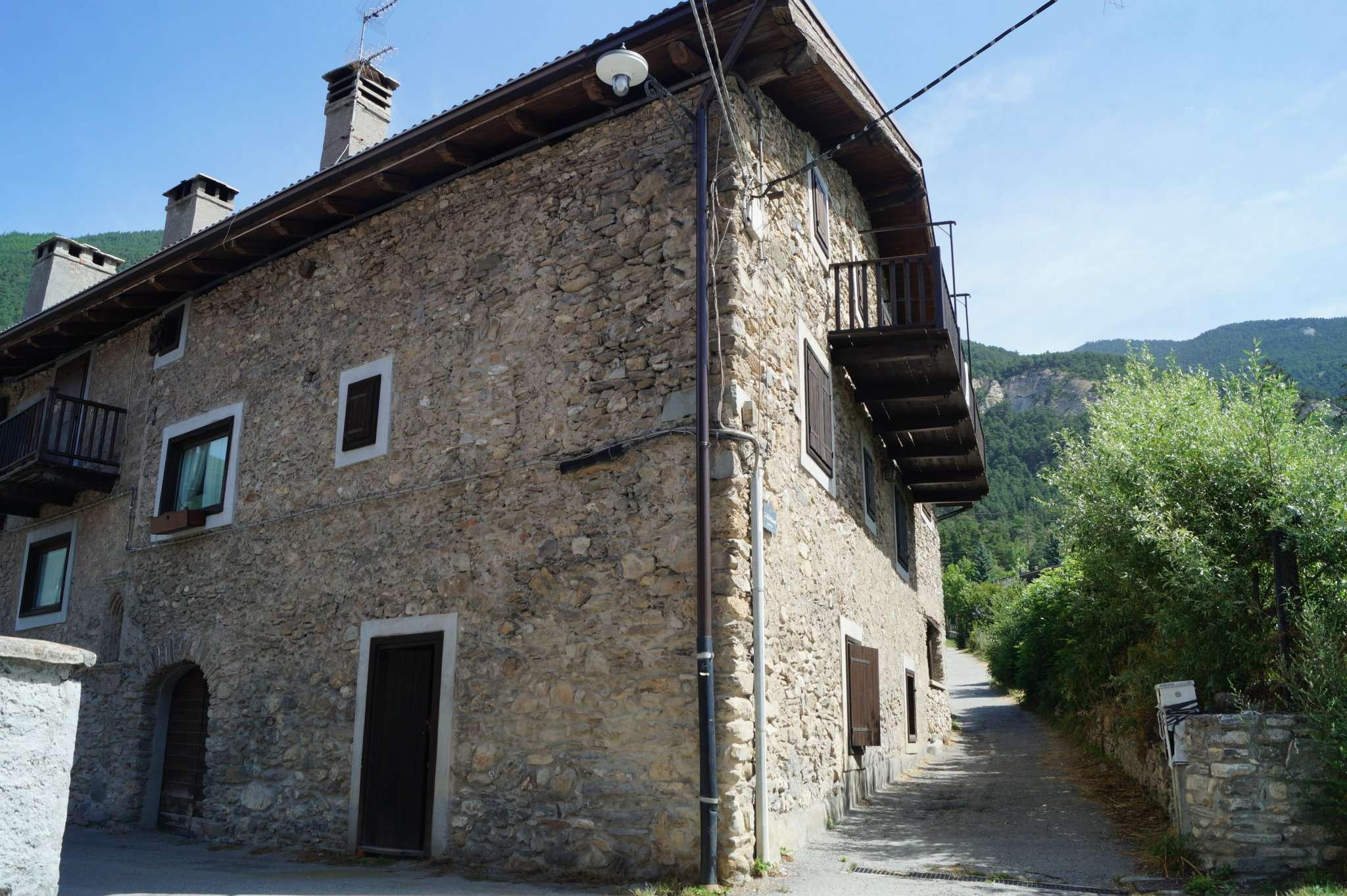 Appartamento in vendita a Oulx, 4 locali, prezzo € 98.000 | CambioCasa.it