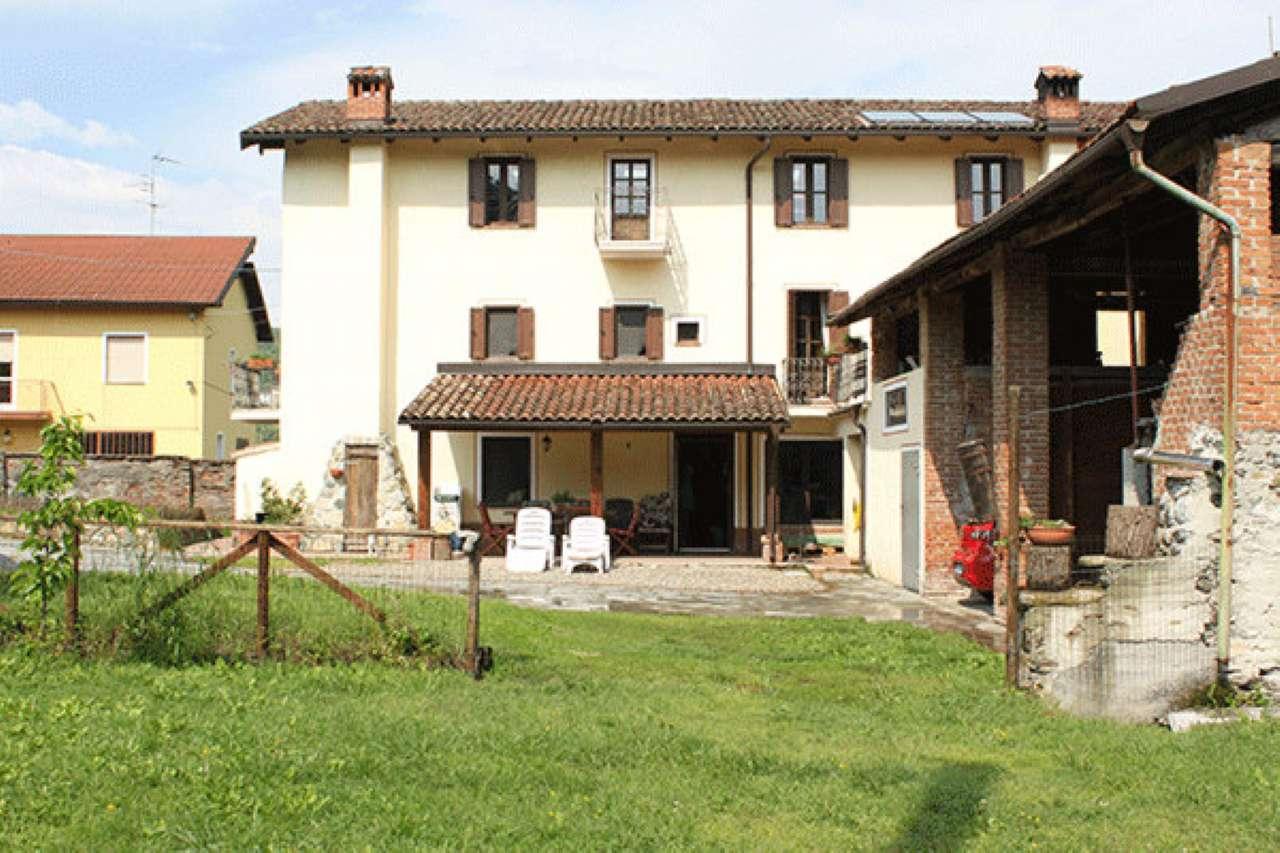 Rustico / Casale in vendita a Parodi Ligure, 15 locali, prezzo € 350.000 | CambioCasa.it