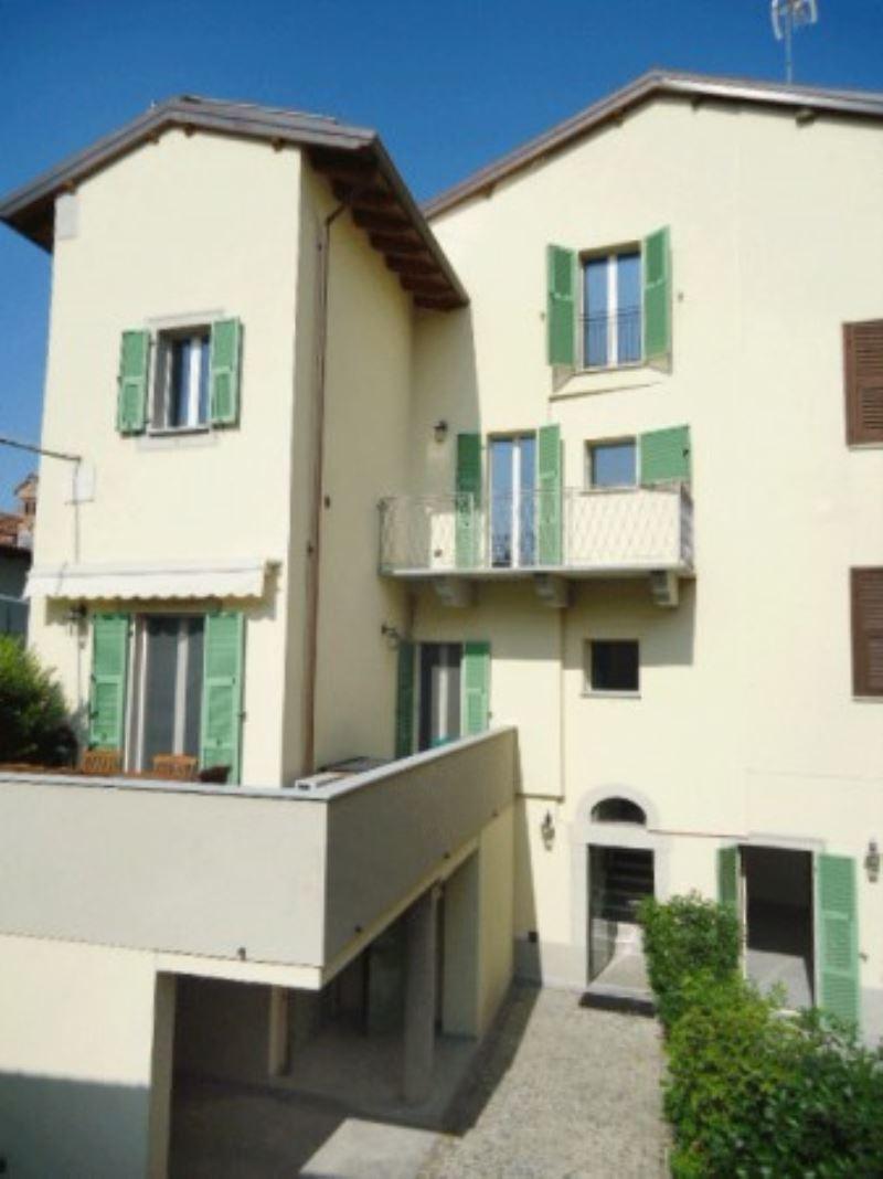 Appartamento in ottime condizioni in vendita Rif. 5163012