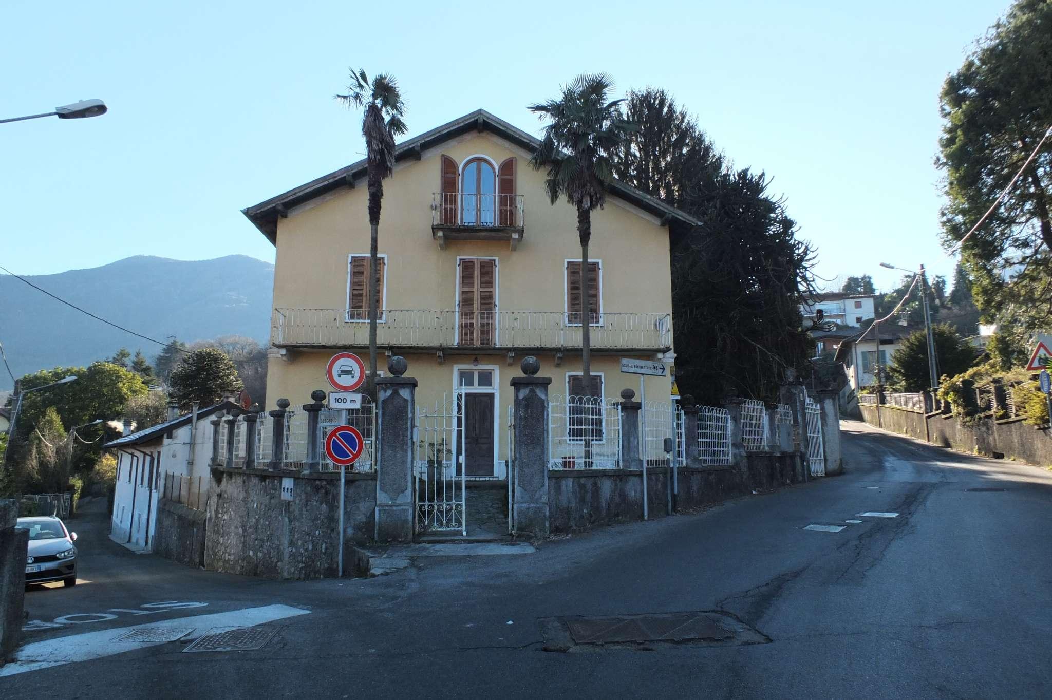 Appartamento in vendita a Porto Valtravaglia, 5 locali, prezzo € 220.000 | CambioCasa.it