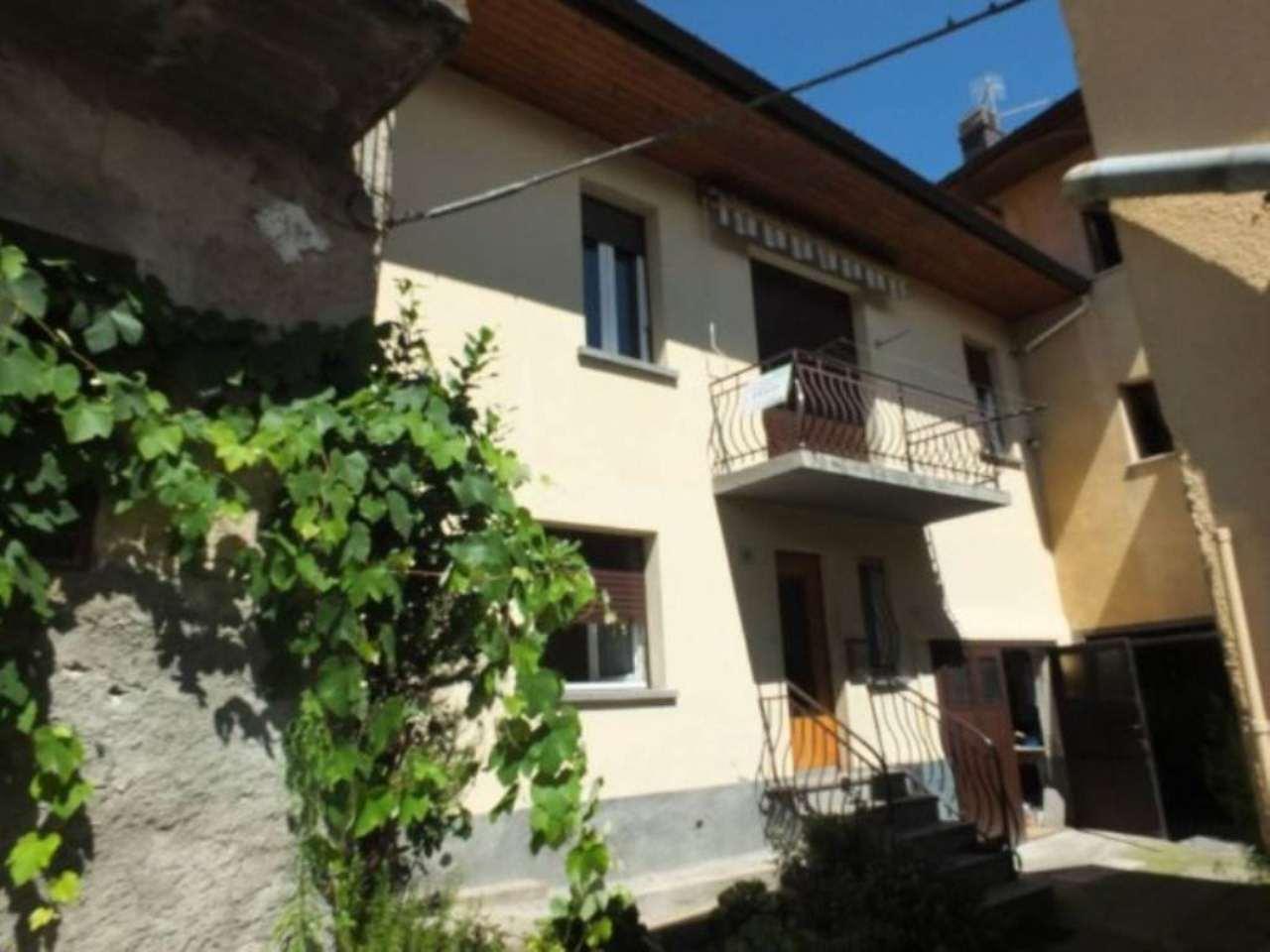 Soluzione Indipendente in vendita a Cunardo, 3 locali, prezzo € 55.000 | CambioCasa.it