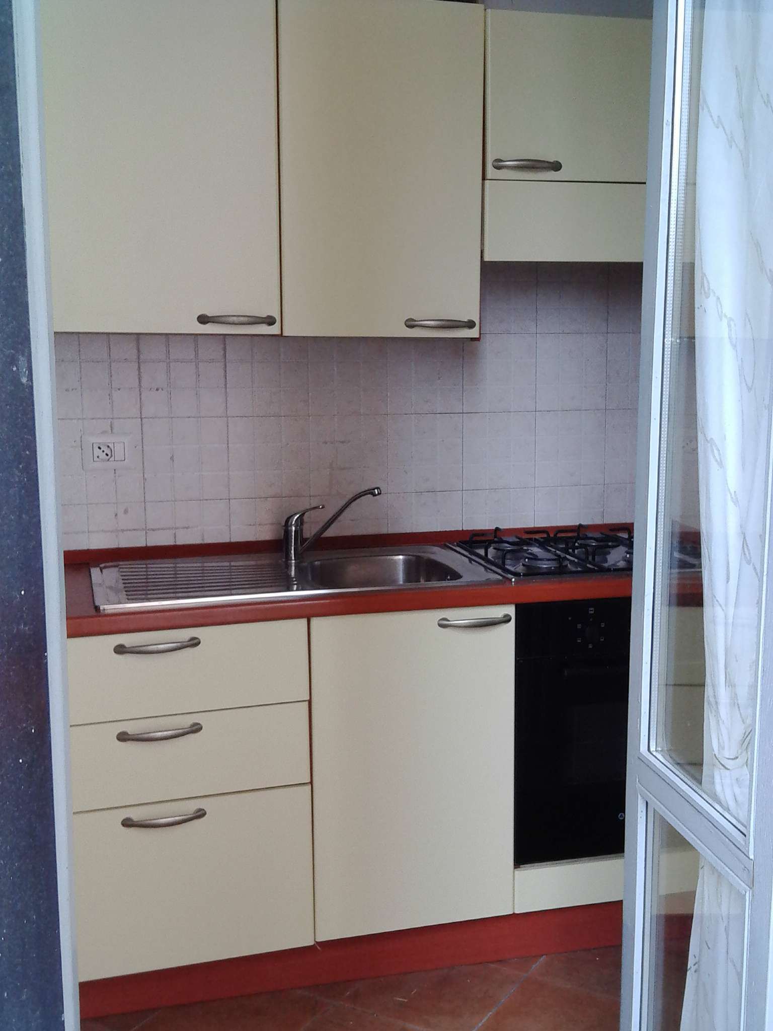 Appartamento in buone condizioni arredato in affitto Rif. 7440041
