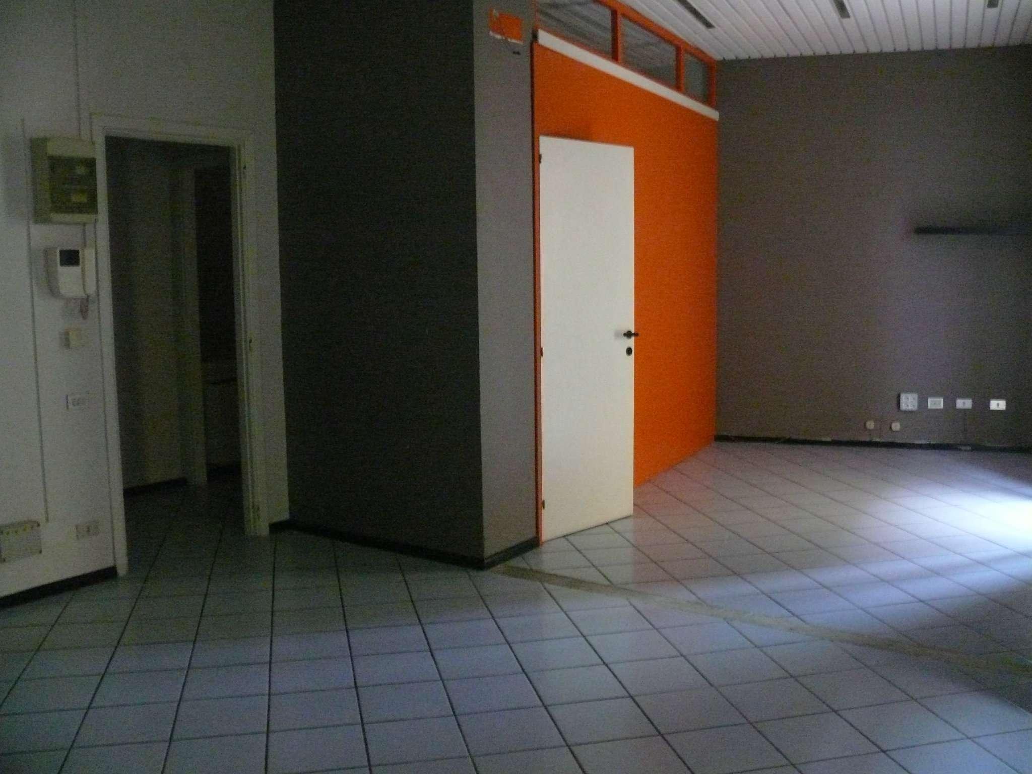 Ufficio / Studio in affitto a Mondovì, 10 locali, Trattative riservate | CambioCasa.it