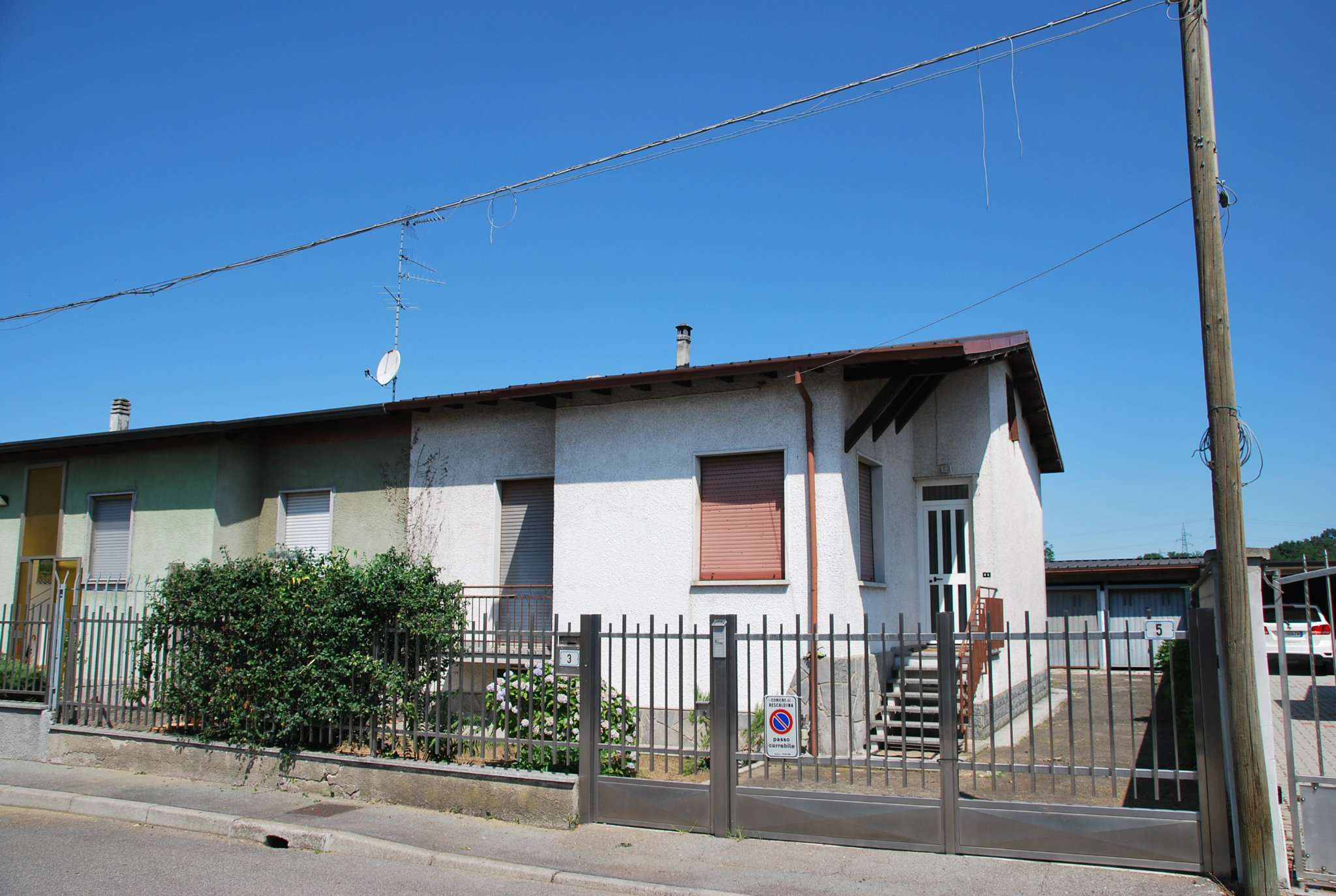 Villa Bifamiliare in Vendita a Rescaldina