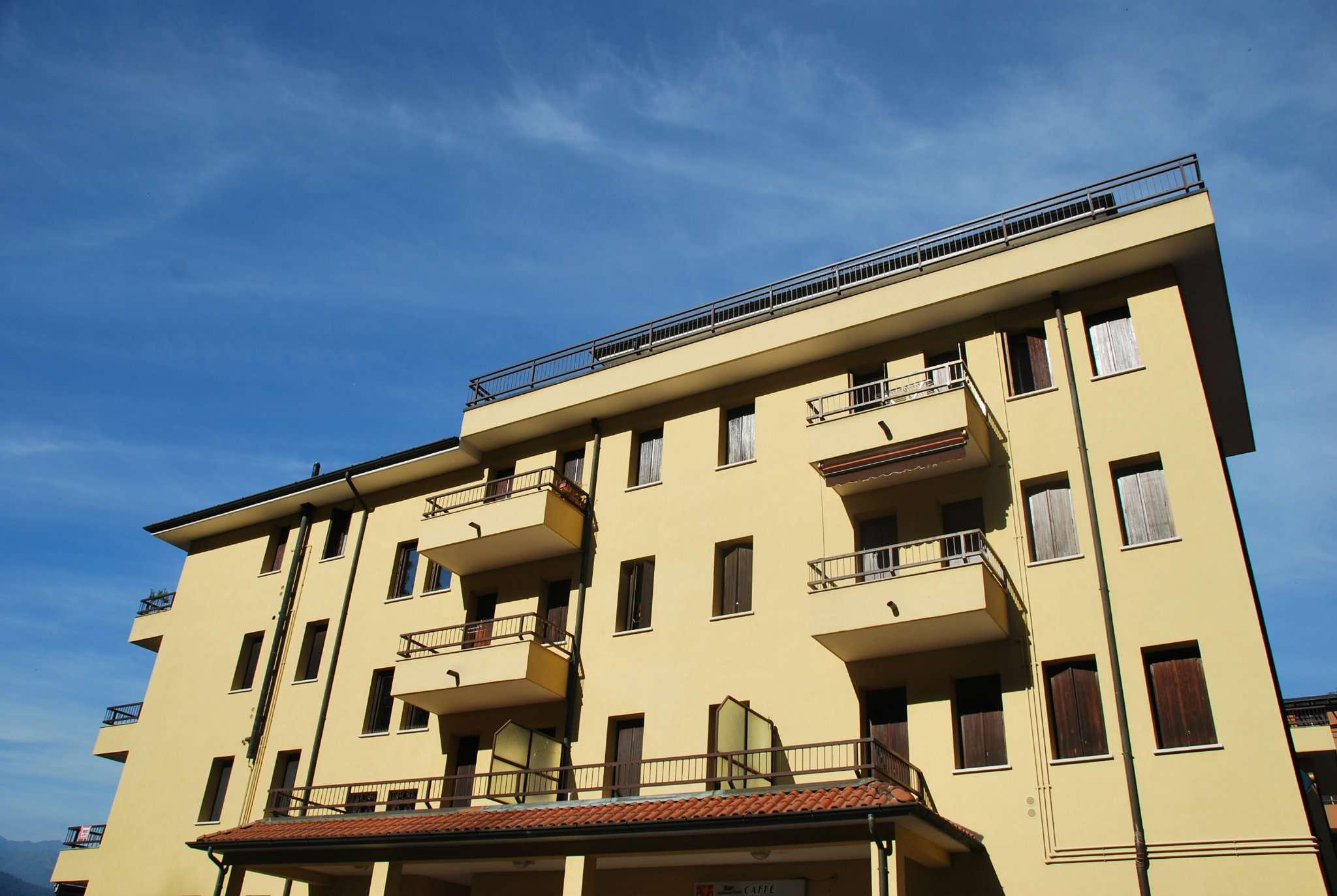 Appartamento in affitto a Laveno-Mombello, 2 locali, prezzo € 480 | CambioCasa.it