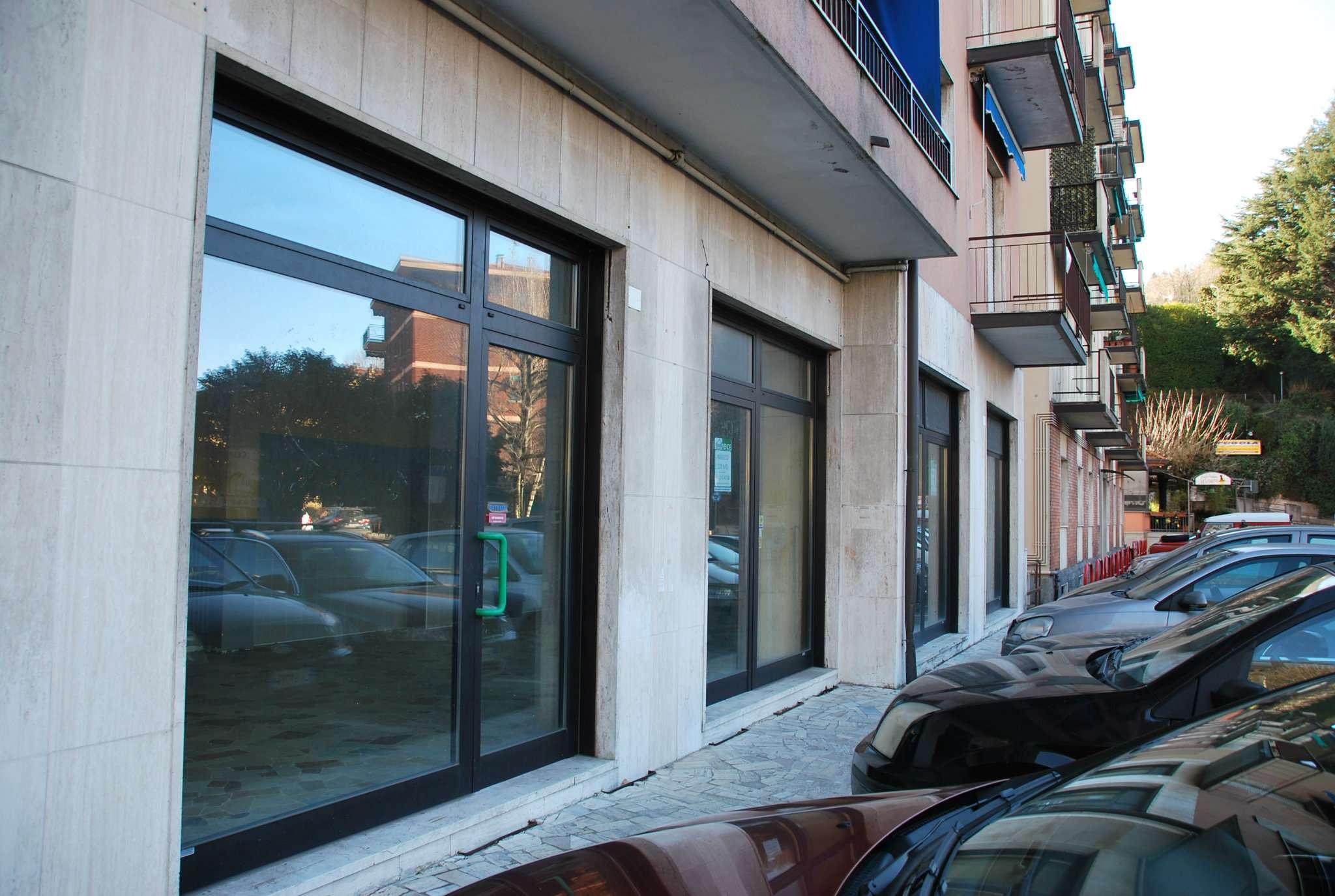 Negozio / Locale in vendita a Laveno-Mombello, 4 locali, prezzo € 149.000 | CambioCasa.it