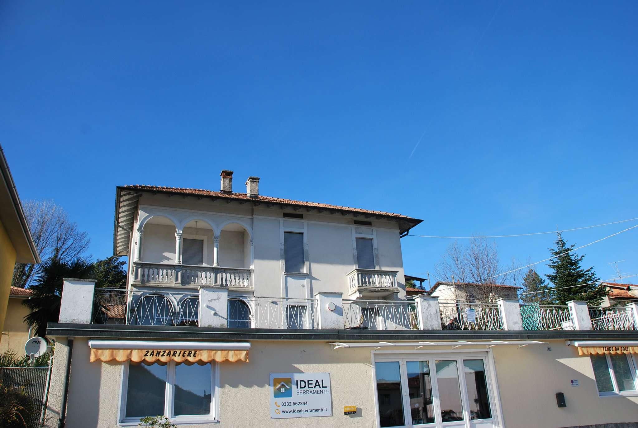 Appartamento in vendita a Laveno-Mombello, 5 locali, prezzo € 136.000 | PortaleAgenzieImmobiliari.it
