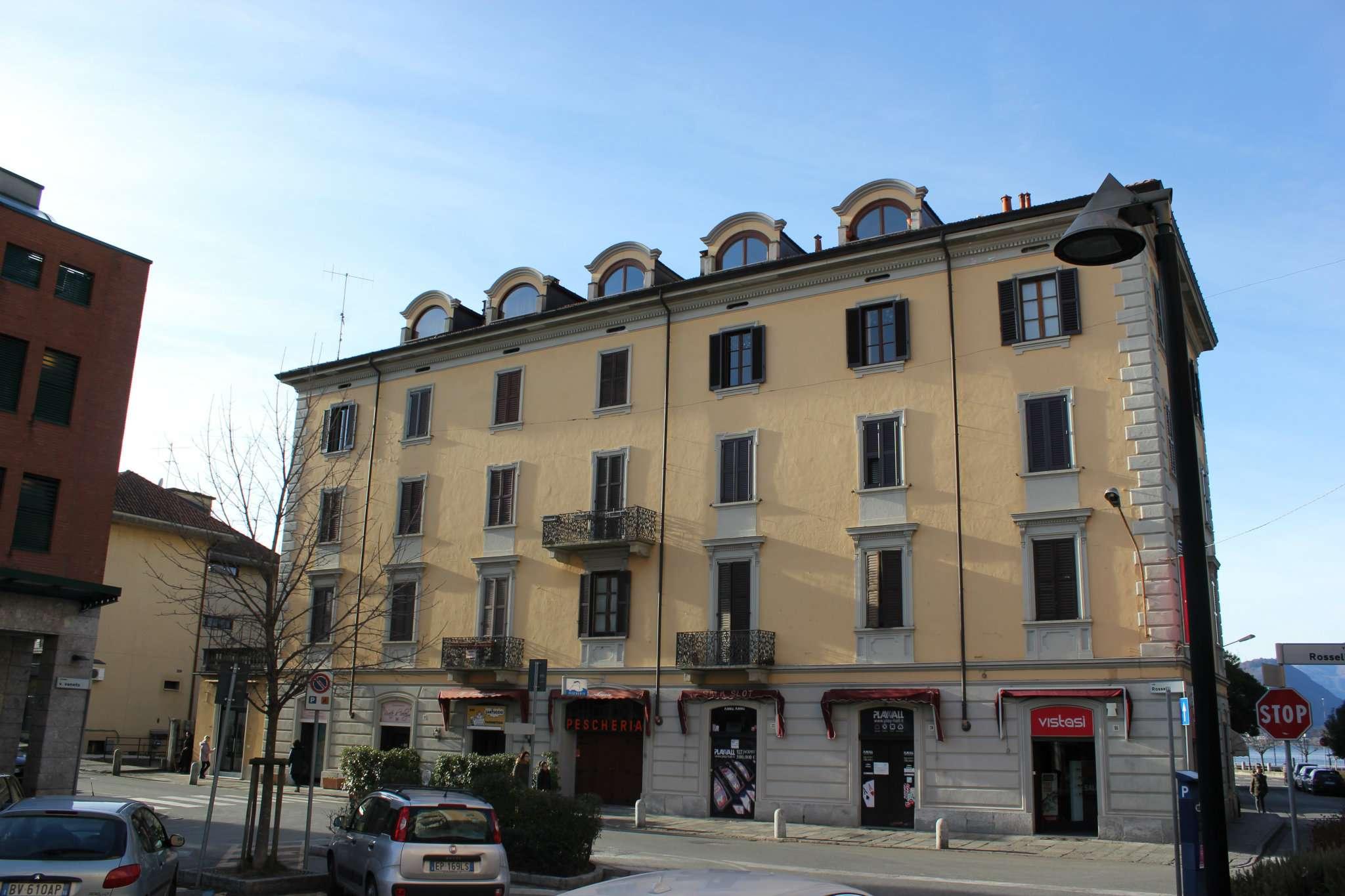 Appartamento in vendita a Laveno-Mombello, 3 locali, prezzo € 100.000 | CambioCasa.it